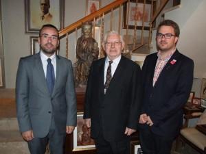 Vila-real despide a Vicente Llorens Poy en el hall del Ayuntamiento