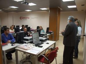 Economía programa 13 cursos para mejorar las competencias profesionales y ayudar a conseguir la inserción laboral