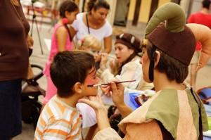 Assaltabarris lleva la animación a los barrios de la ciudad con una docena de actuaciones hasta diciembre