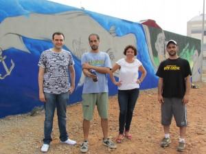 El II Concurso de grafiti calienta motores con la muestra de arte urbano en el mural del parque canino de la zona sur