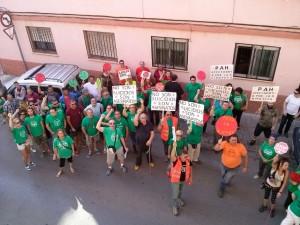 Decenas de personas respaldan a un vecino de Vila-real para evitar su deshaucio