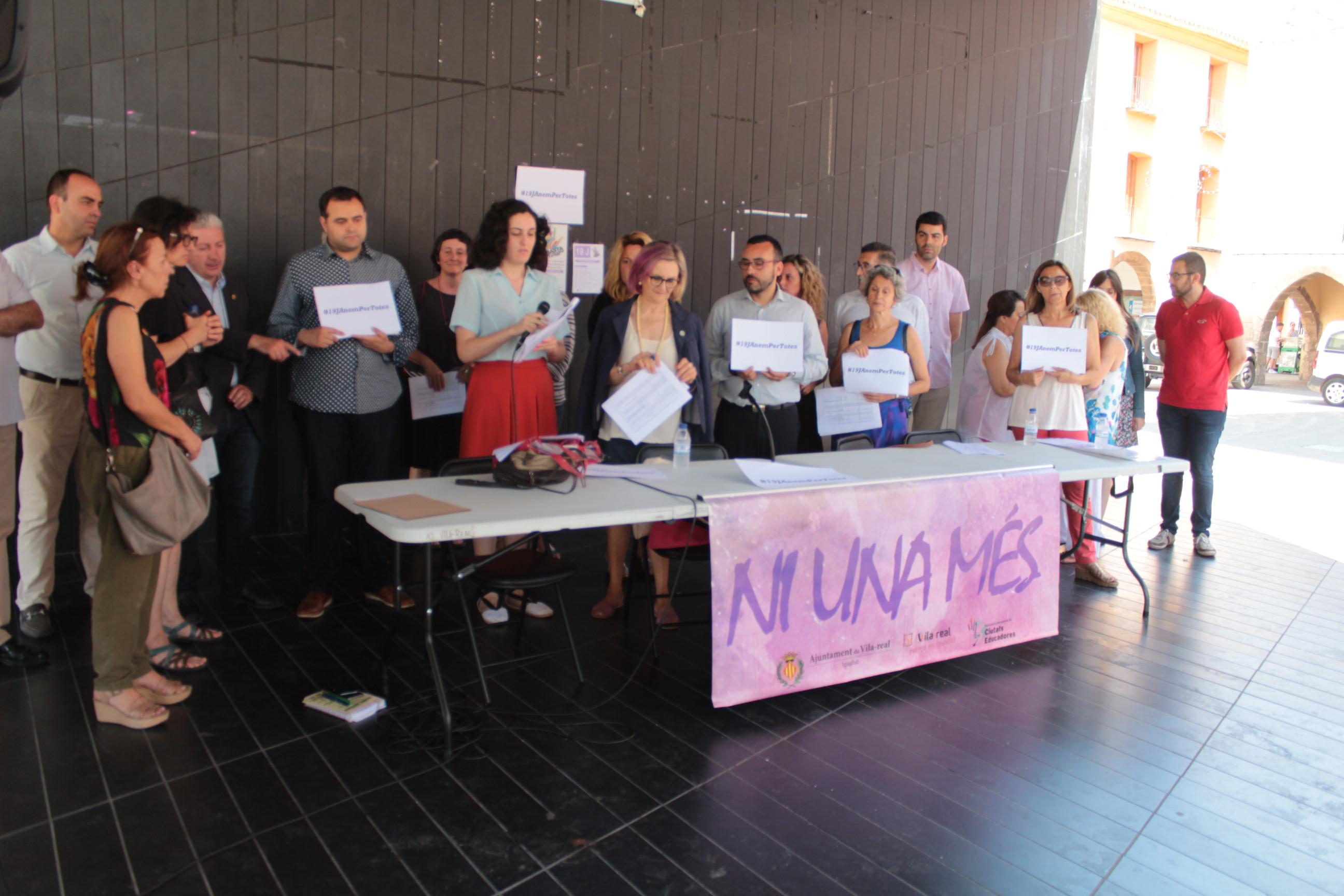 Vila-real se suma al manifiesto contra la violencia de género