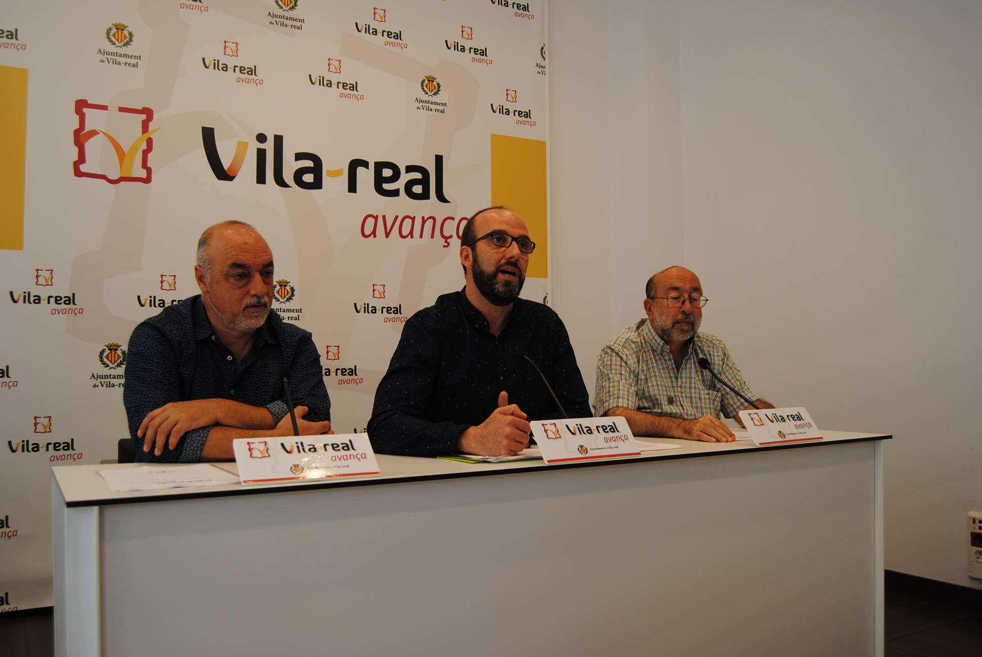 El Correllengua lleva su llama a los colegios y calles de Vila-real con Xarxa Teatre y un pasacalle cívico del 27 al 29 de septiembre