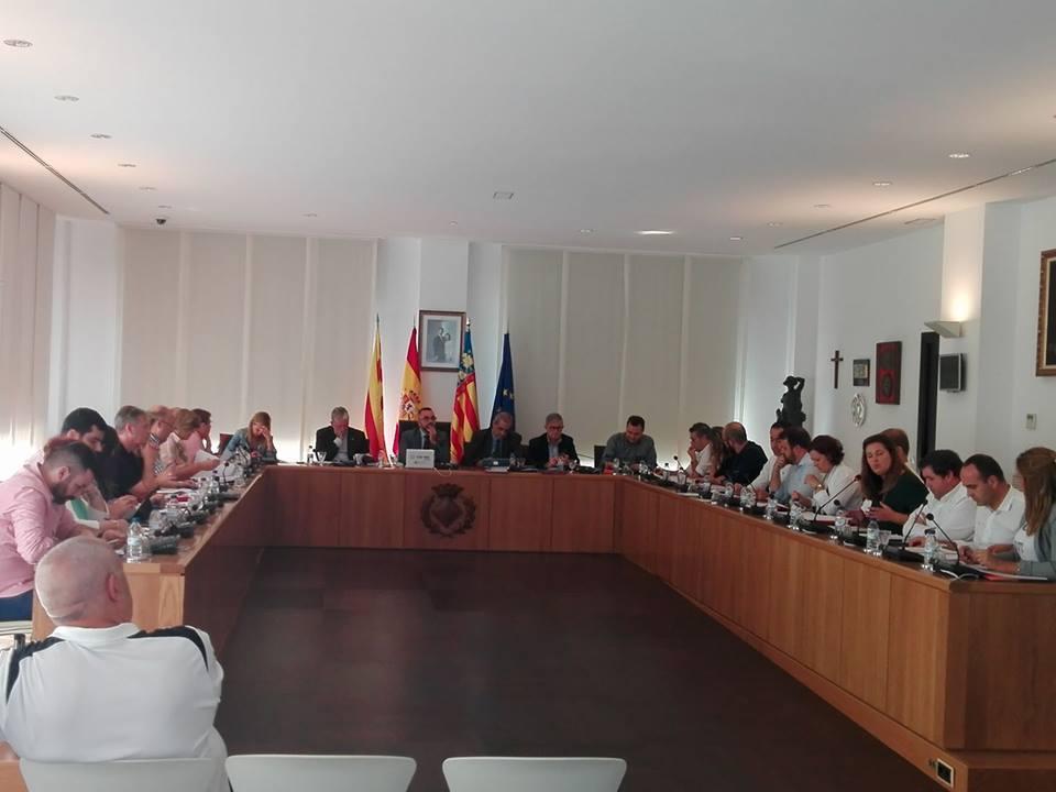 El pleno aprobará esta tarde el pago de facturas y una declaración institucional para defender el programa plurilingüe del José Soriano
