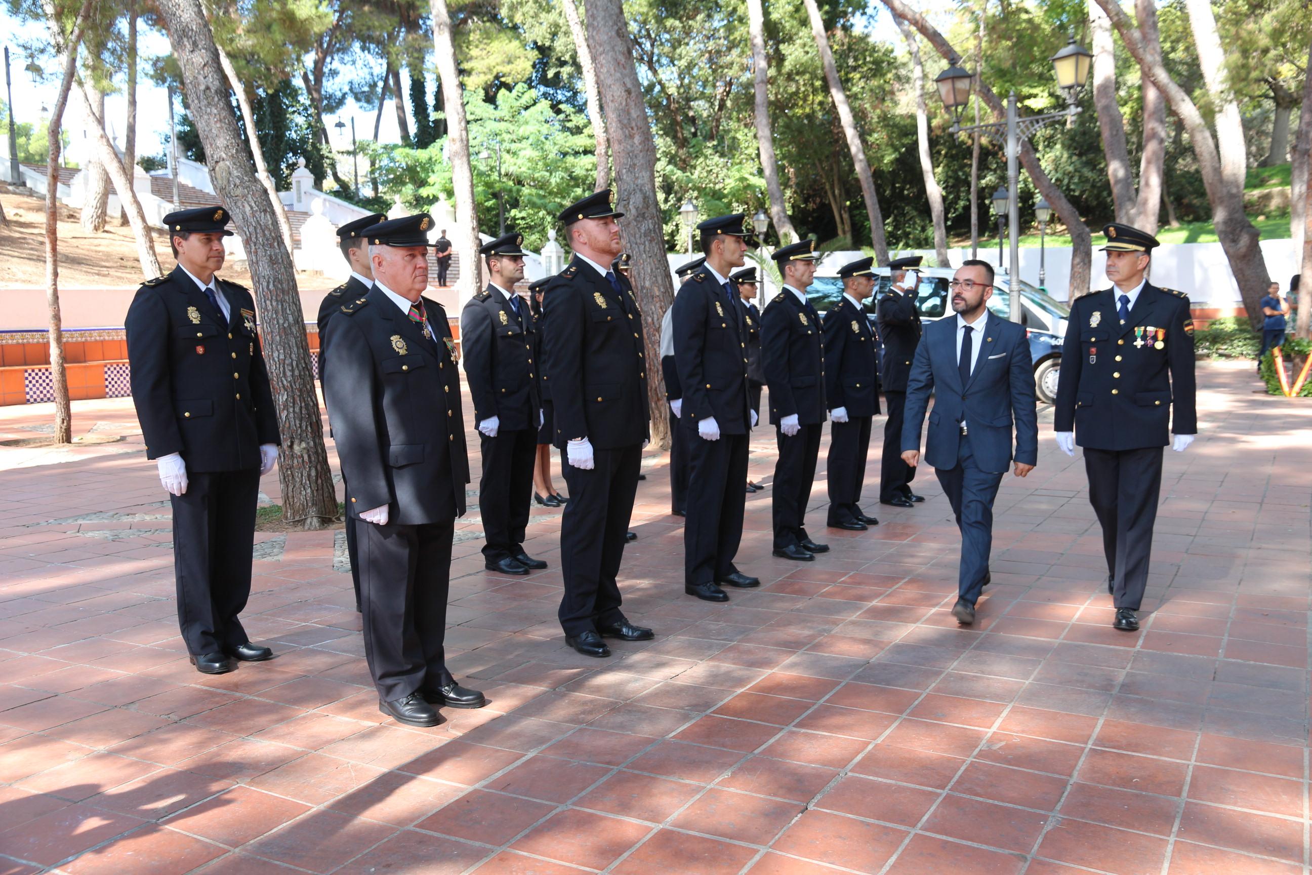 Benlloch felicita a la Policía Nacional por su trabajo en Vila-real y anuncia que busca ya locales para el traslado de la comisaría