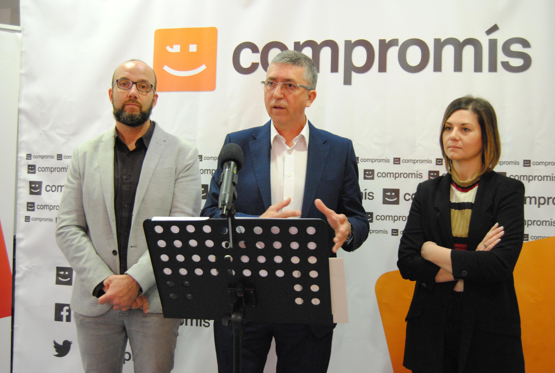 Compromís defiende en Vila-real su política económica.