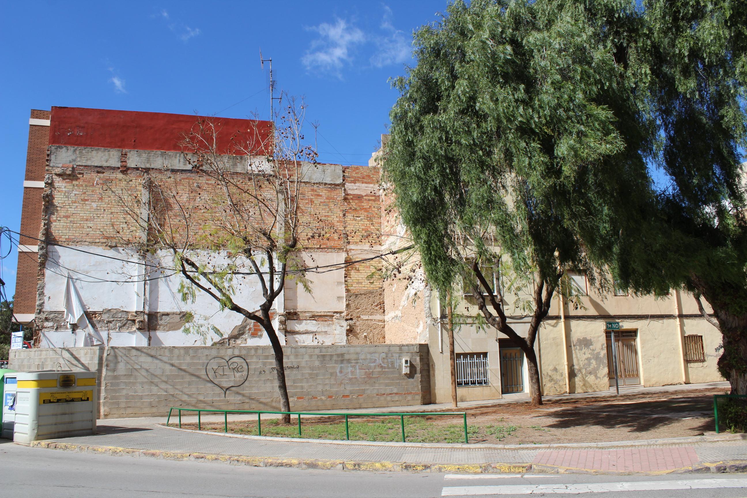 Vila-real adquiere un solar para ampliar el jardín ubicado junto a la plaza de Santa Ferrán