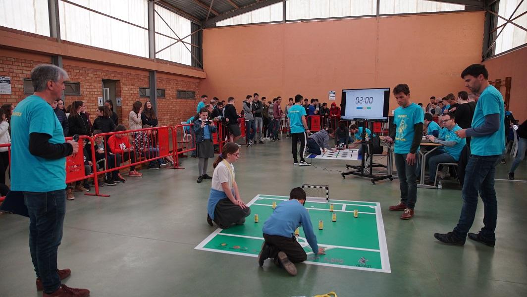 80 estudiantes participan en la primera edición de Vilabot.