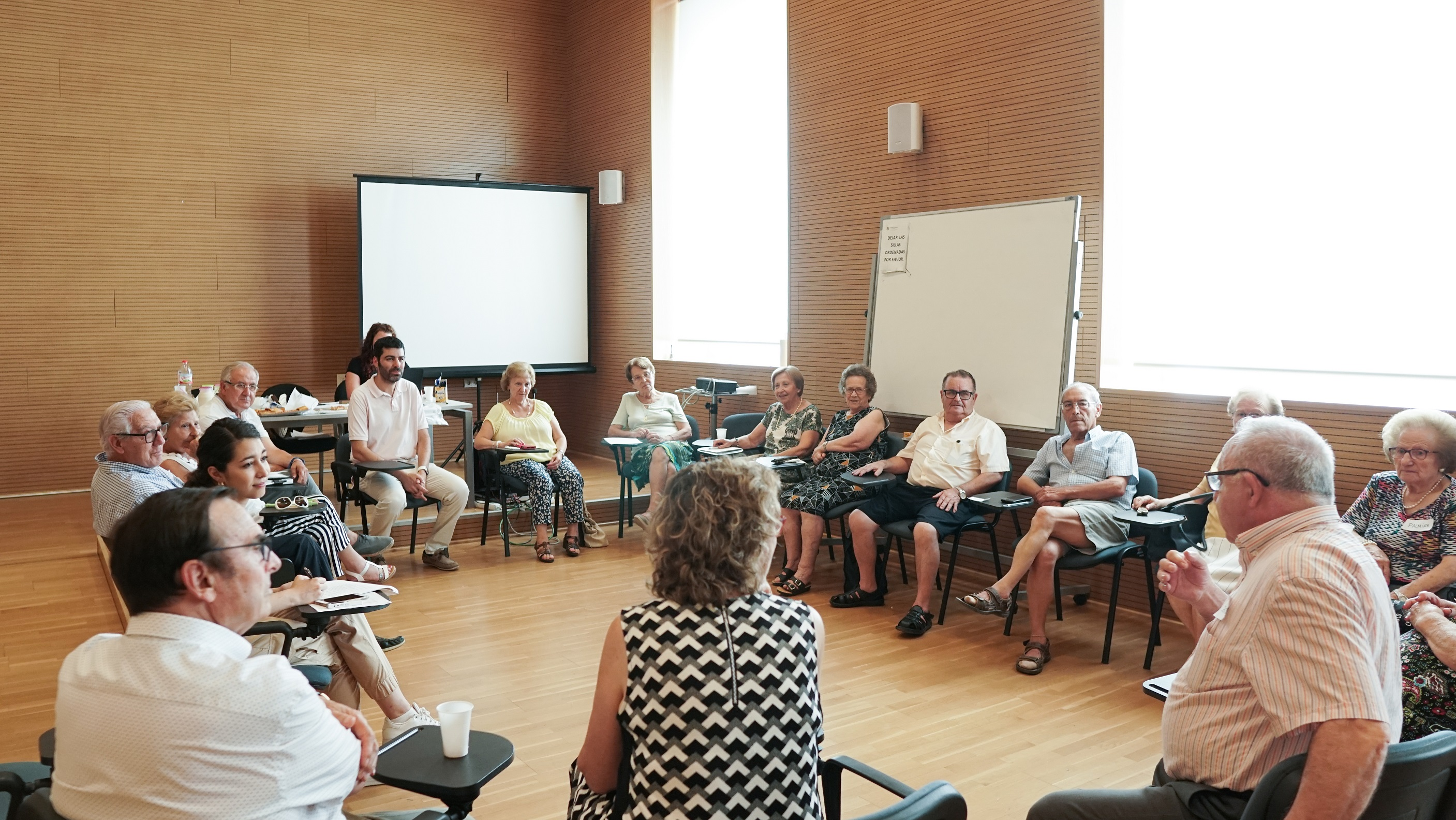 Servicios Sociales elabora el primer Plan de Personas Mayores para favorecer el envejecimiento activo de la población.