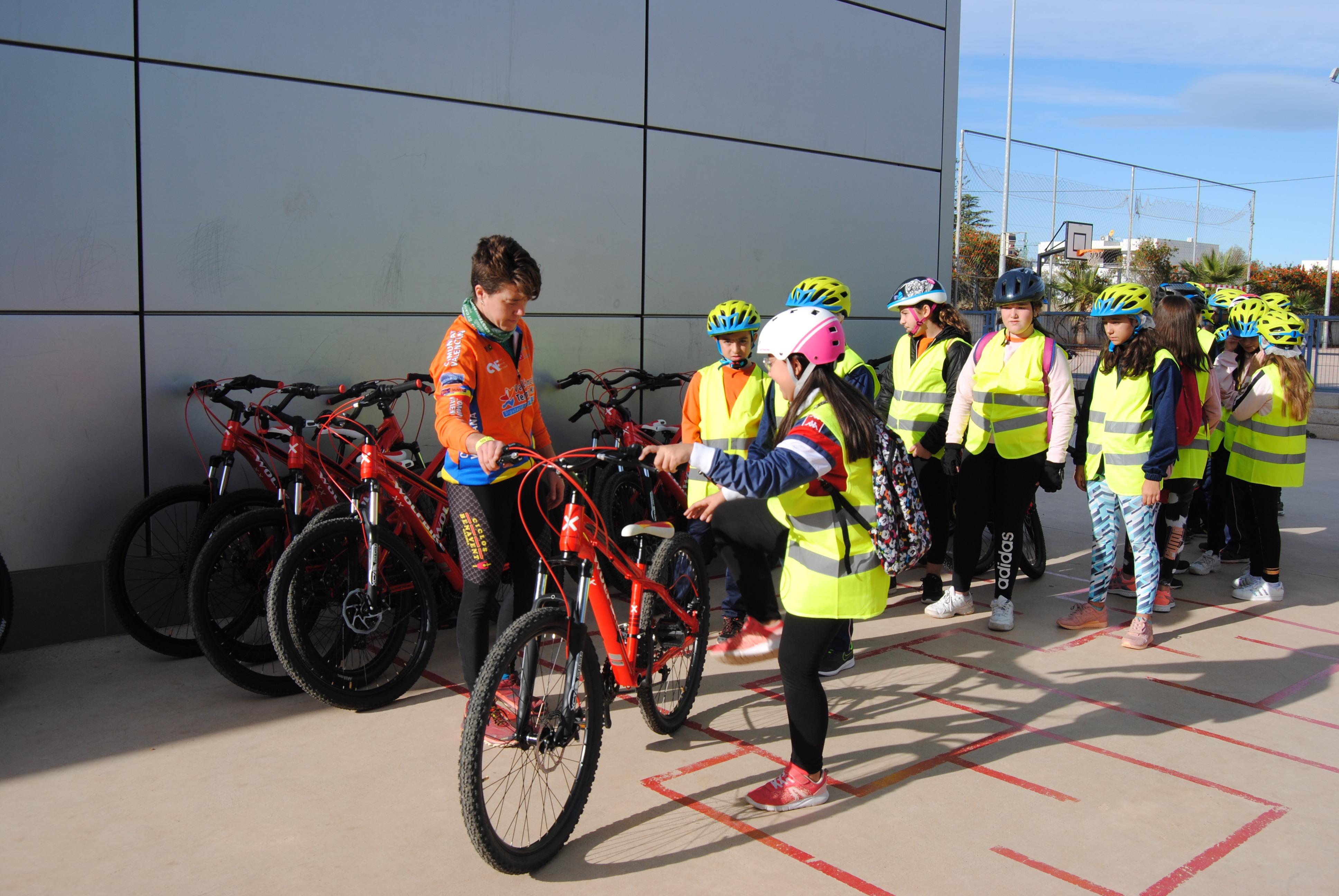 El colegio José Soriano de Vila-real se suma al Aula ciclista.