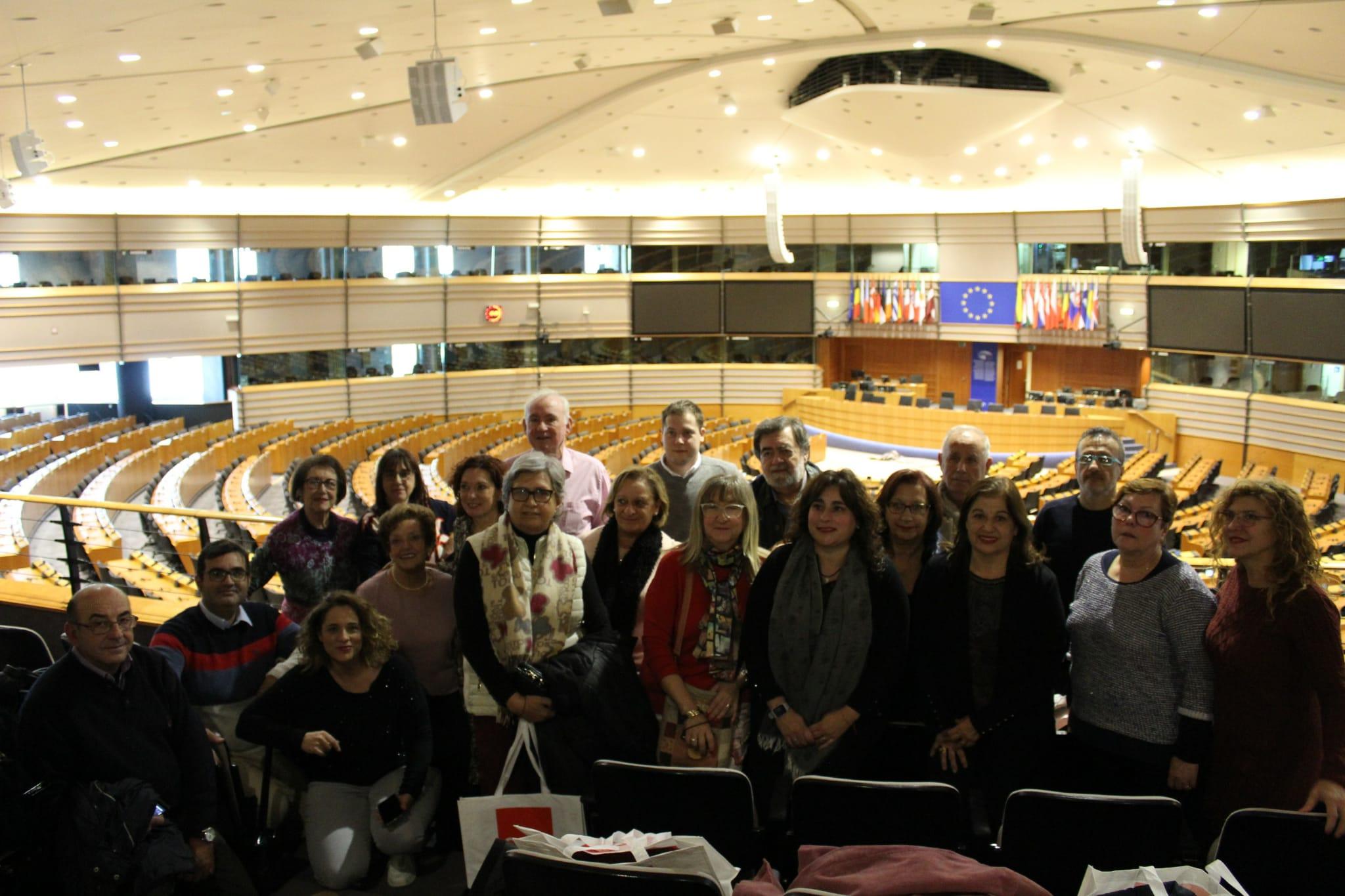 Una delegación ciudadana de Vila-real conoce desde dentro las instituciones europeas.