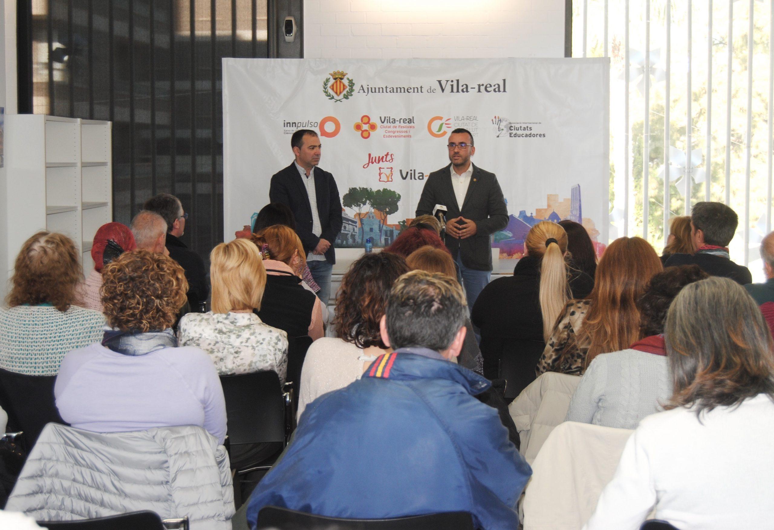 Vila-real da la acogida al nuevo taller de empleo y anuncia la apertura de una empresa de champiñones en la ciudad