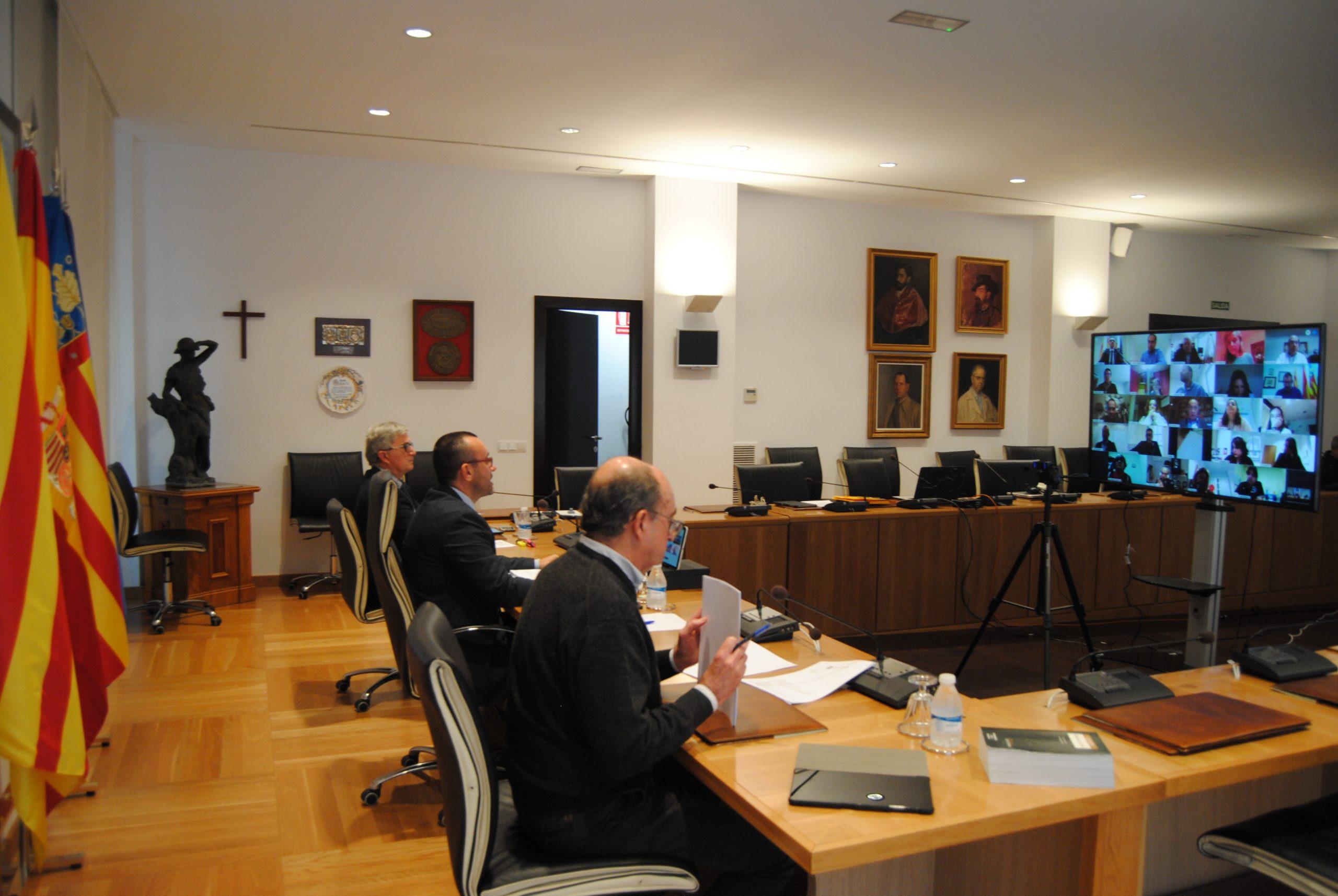 El primer pleno telemático del Ayuntamiento de Vila-real aprueba el pago de 742.000 euros a proveedores