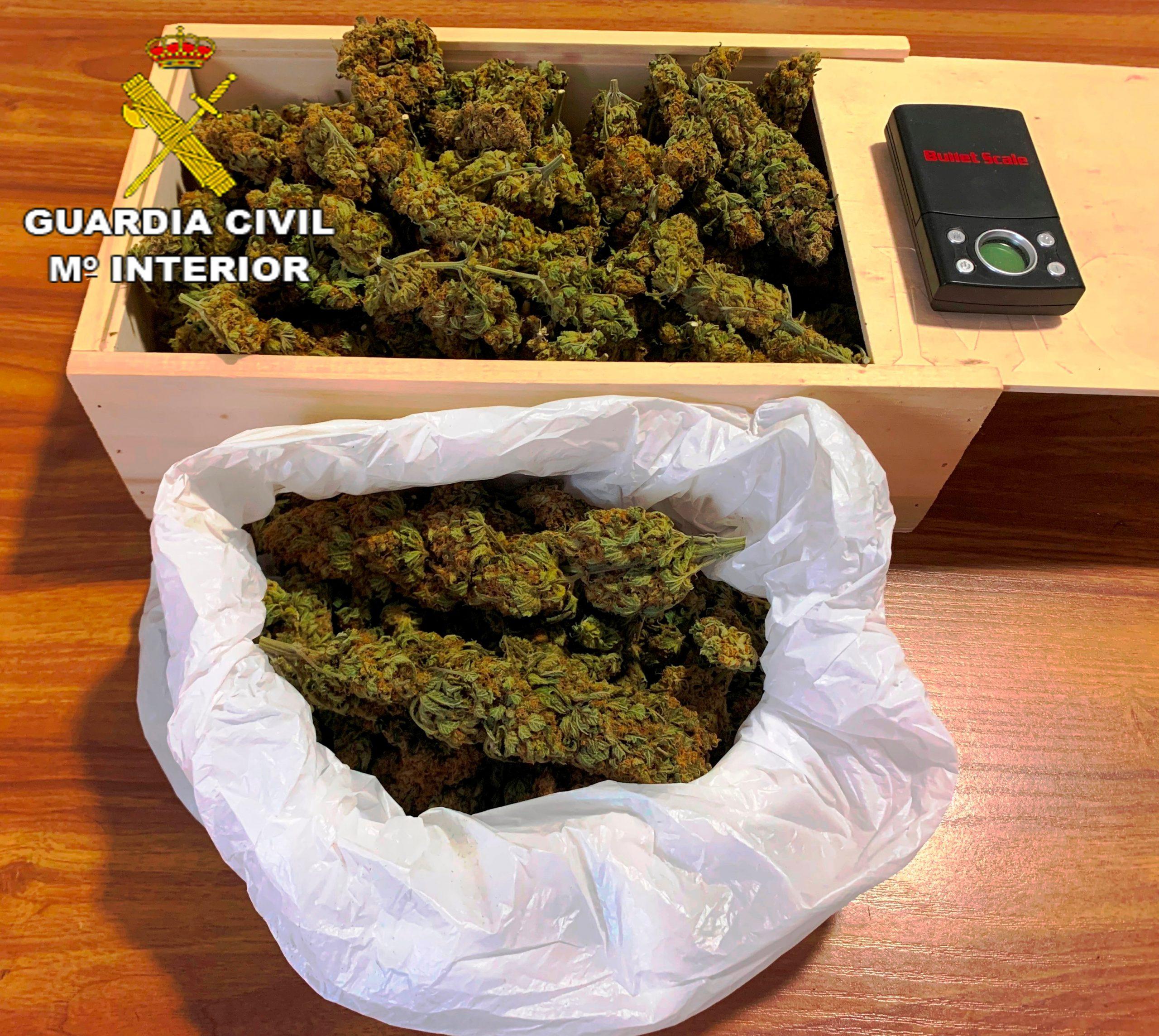 La Guardia Civil de Benicàssim detiene a un hombre por un presunto delito de venta de drogas