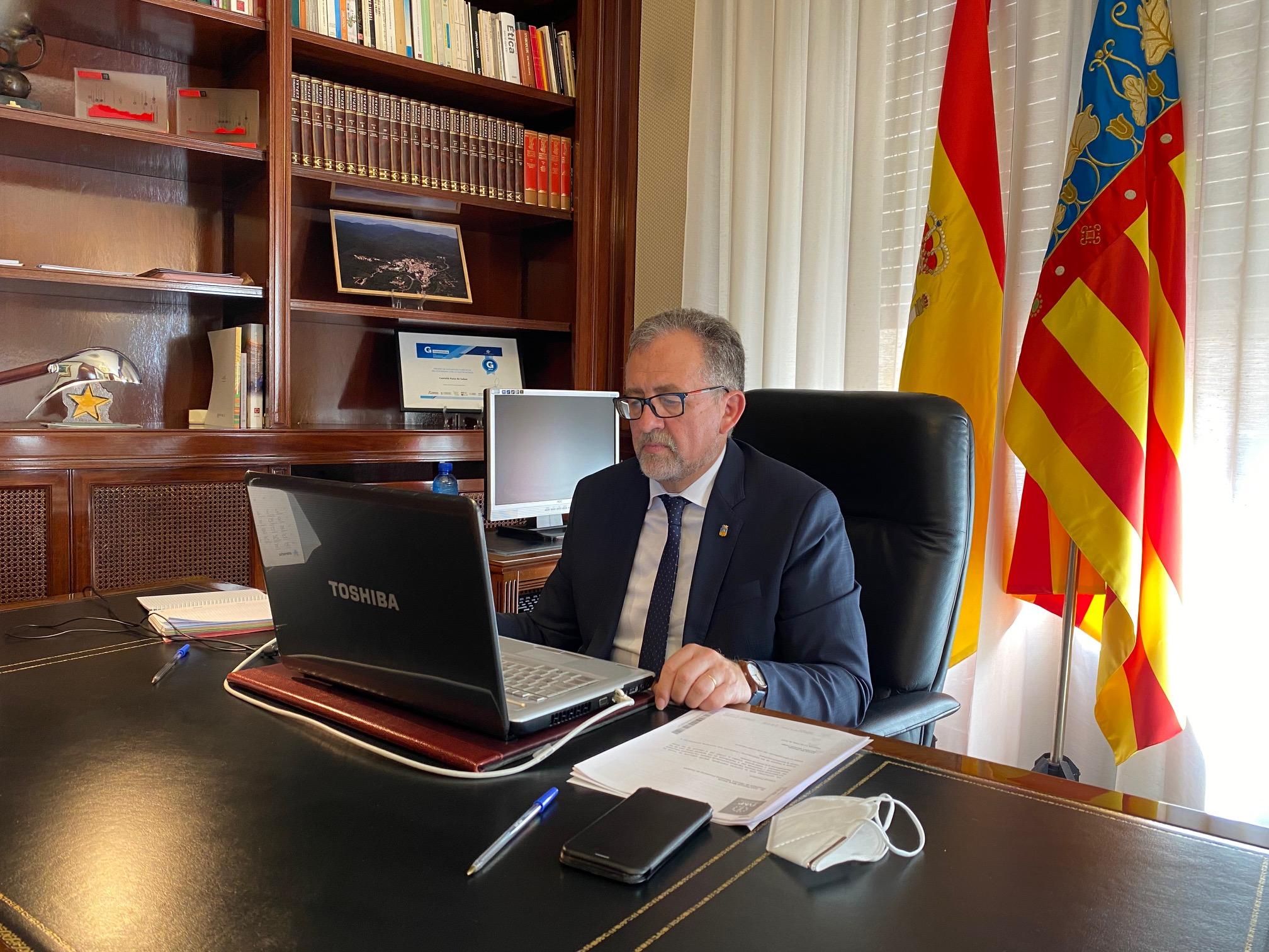 Diputación y Telefónica defienden la necesidad de potenciar la fibra óptica en la provincia de Castellón