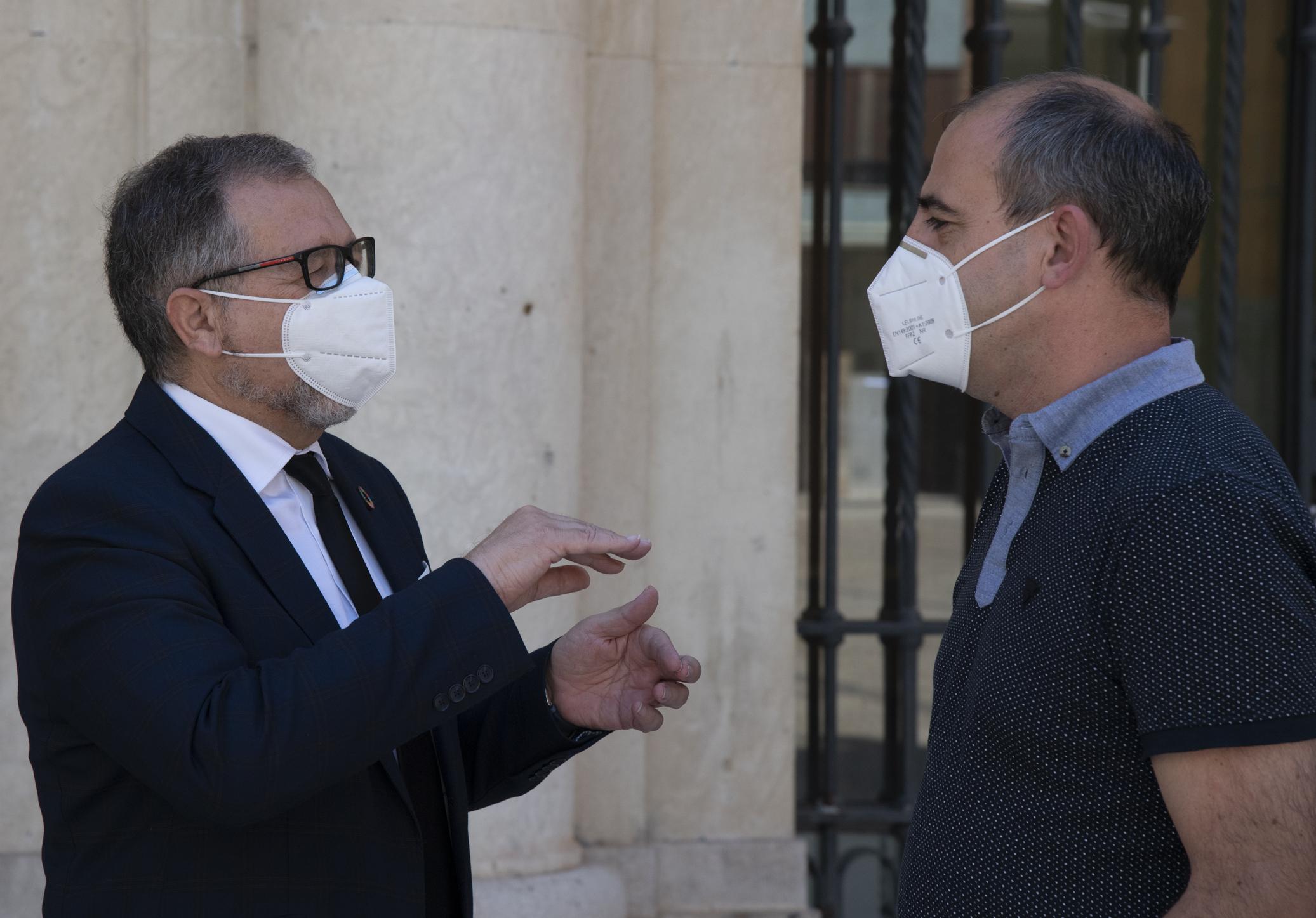 La Diputación  impulsa un convenio con la UJI que permitirá equipar un laboratorio con capacidad para investigar bacterias y virus