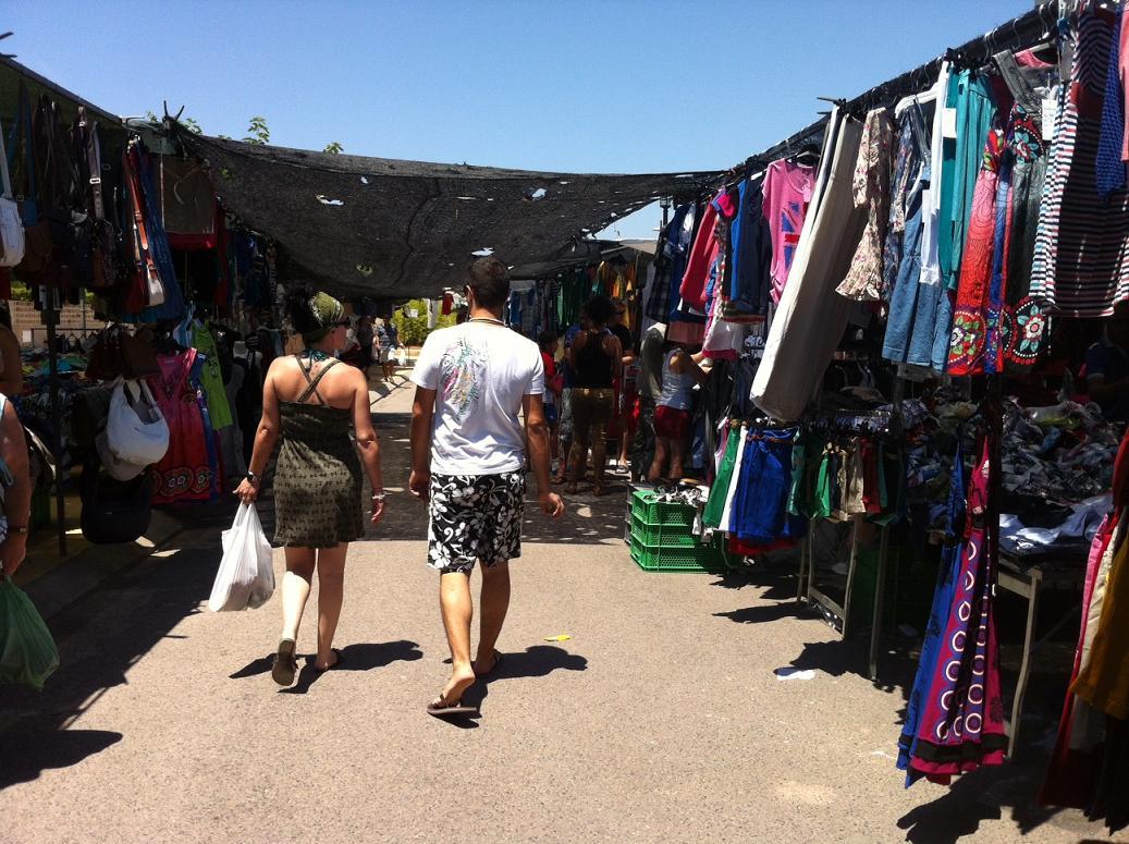 Almassora prepara el mercado de la playa con capacidad para más de 30 paradas