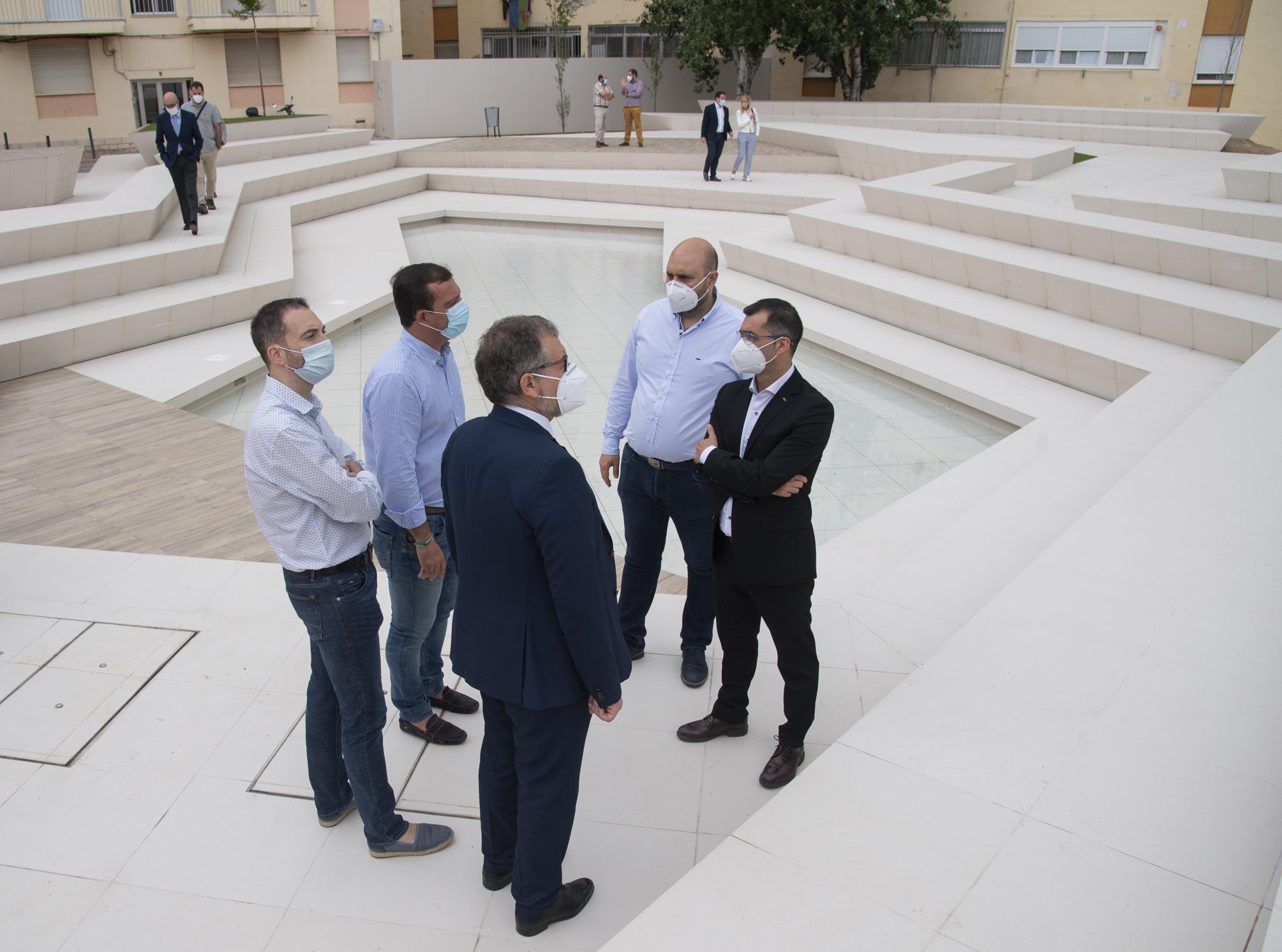 El azulejo de Castellón, protagonista de las últimas obras del plan cerámico de la Diputación en Peñíscola y les Coves