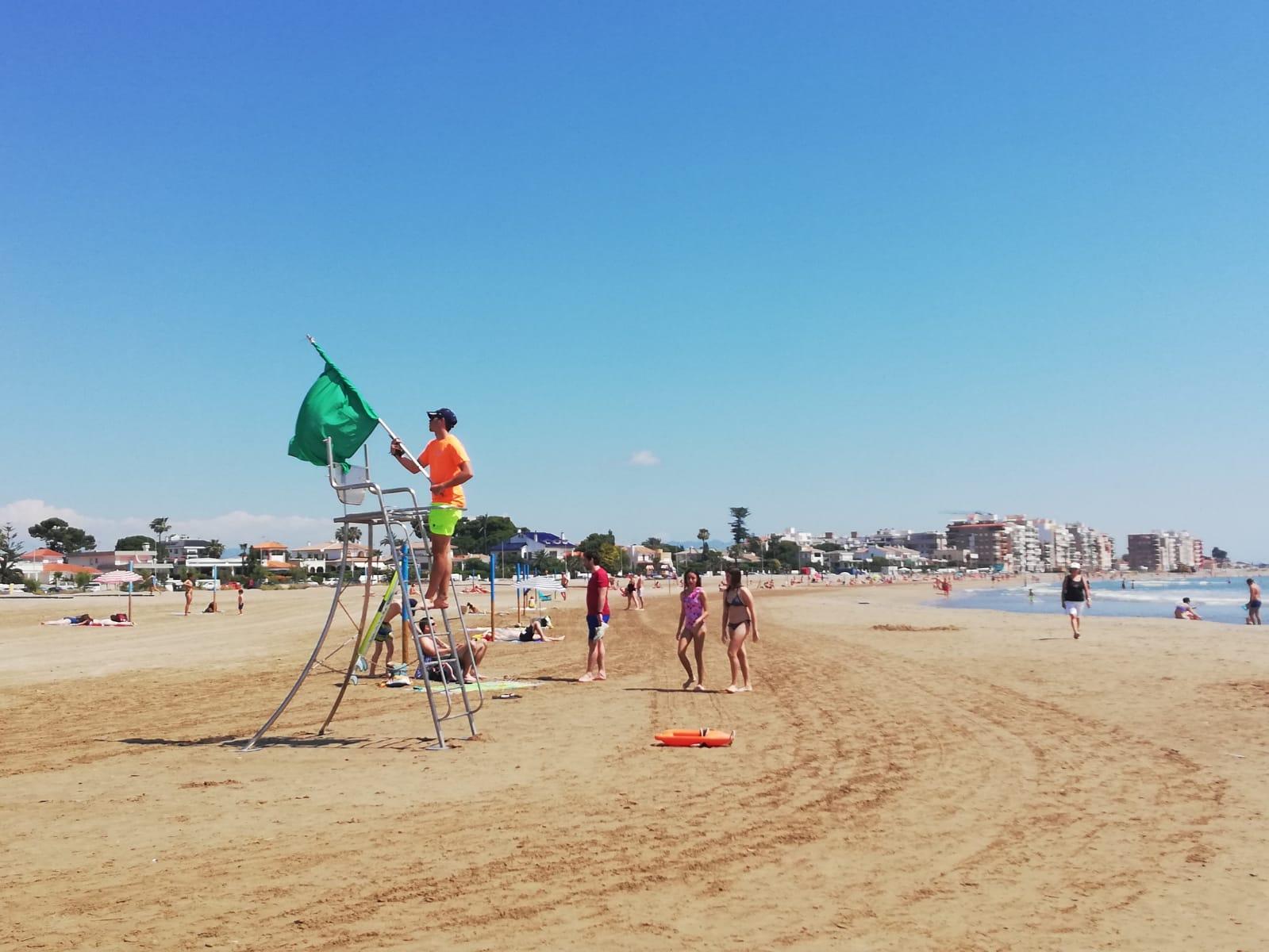 Burriana abre sus playas al baño adaptadas a las nuevas exigencias derivadas de la pandemia