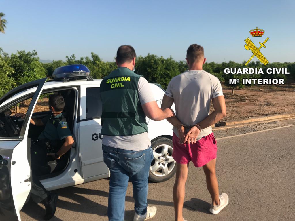 La Guardia Civil detiene a una persona por un delito de robo en una vivienda de Nules