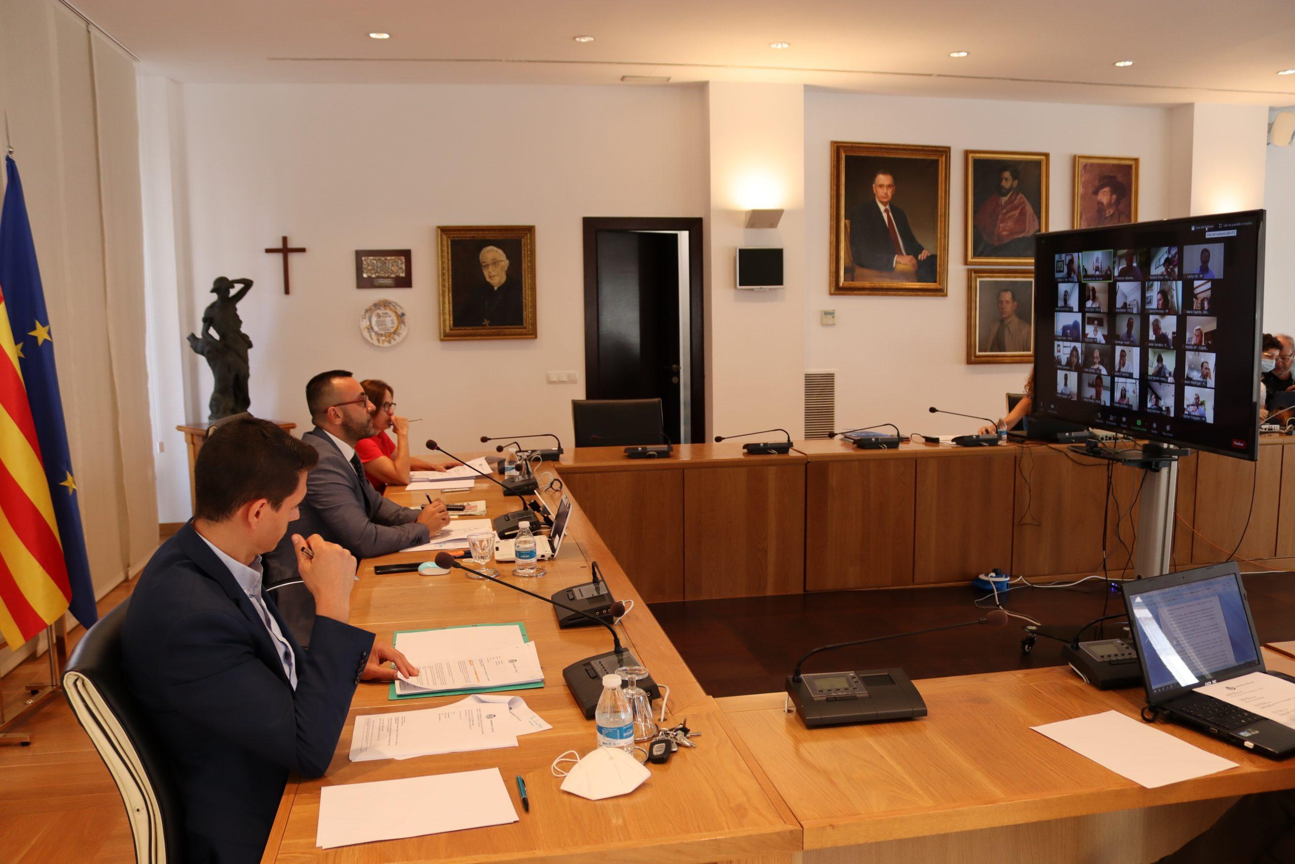 El Pleno aprueba la incorporación de 837.000 euros de remanentes y el pago de 516.000 euros por pleitos urbanísticos