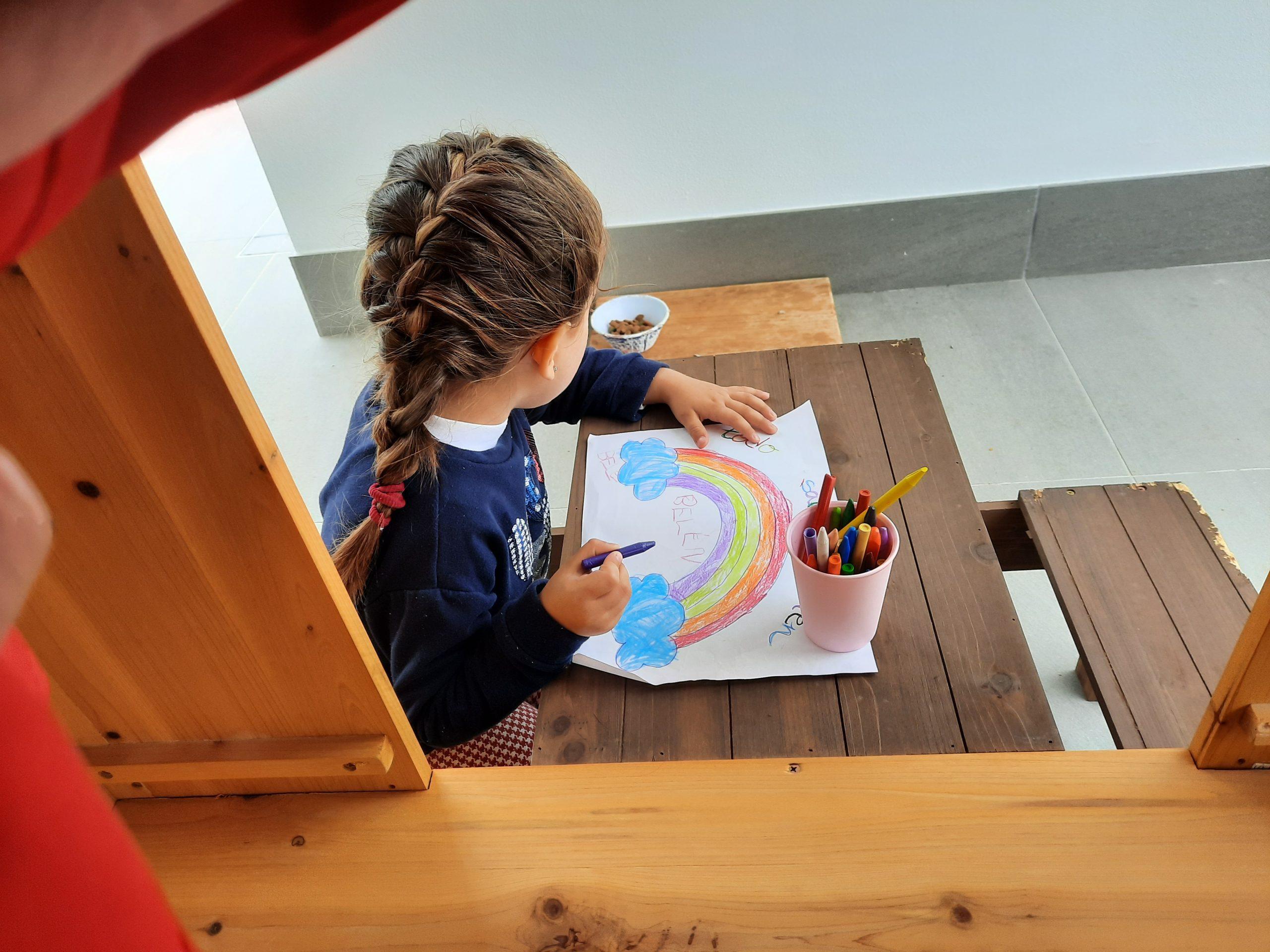 Onda financia los gastos de material escolar a los niños de tres a seis años en centros públicos y concertados
