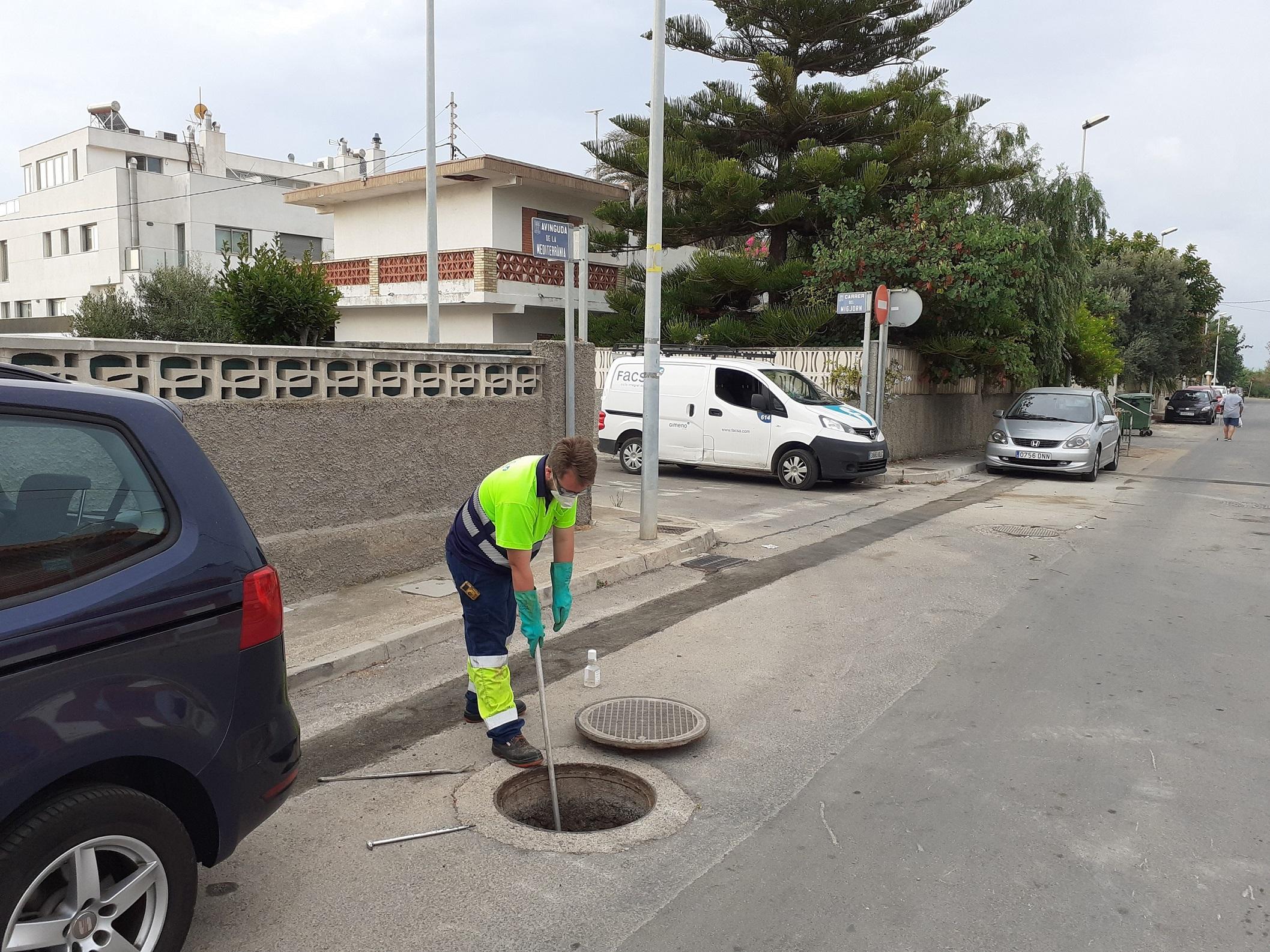 FACSA inicia en la playa de Almassora los trabajos para detectar COVID-19 en aguas residuales