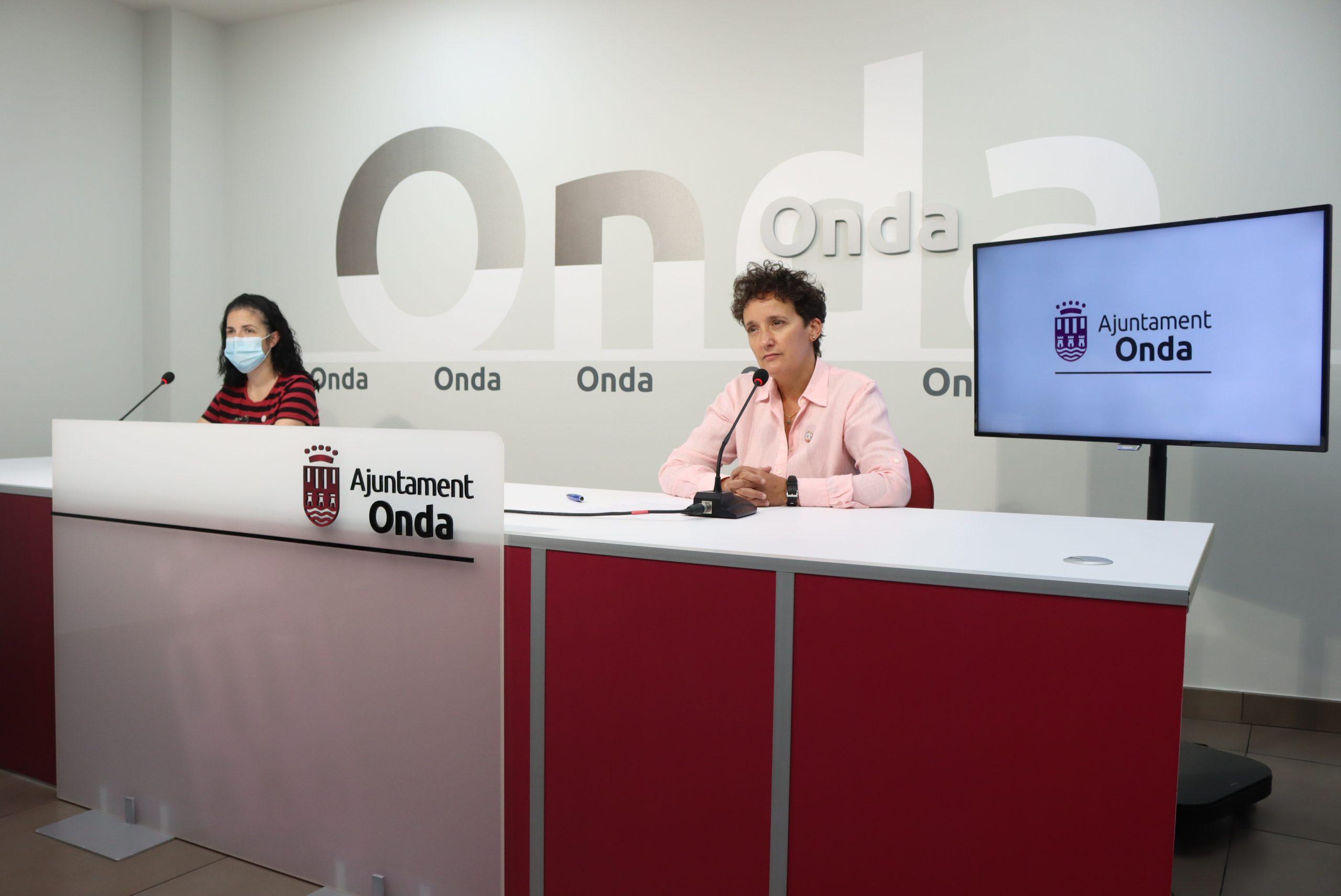 Entrevista a la teniente alcalde de Fiestas y Cultura de Onda, María Prades