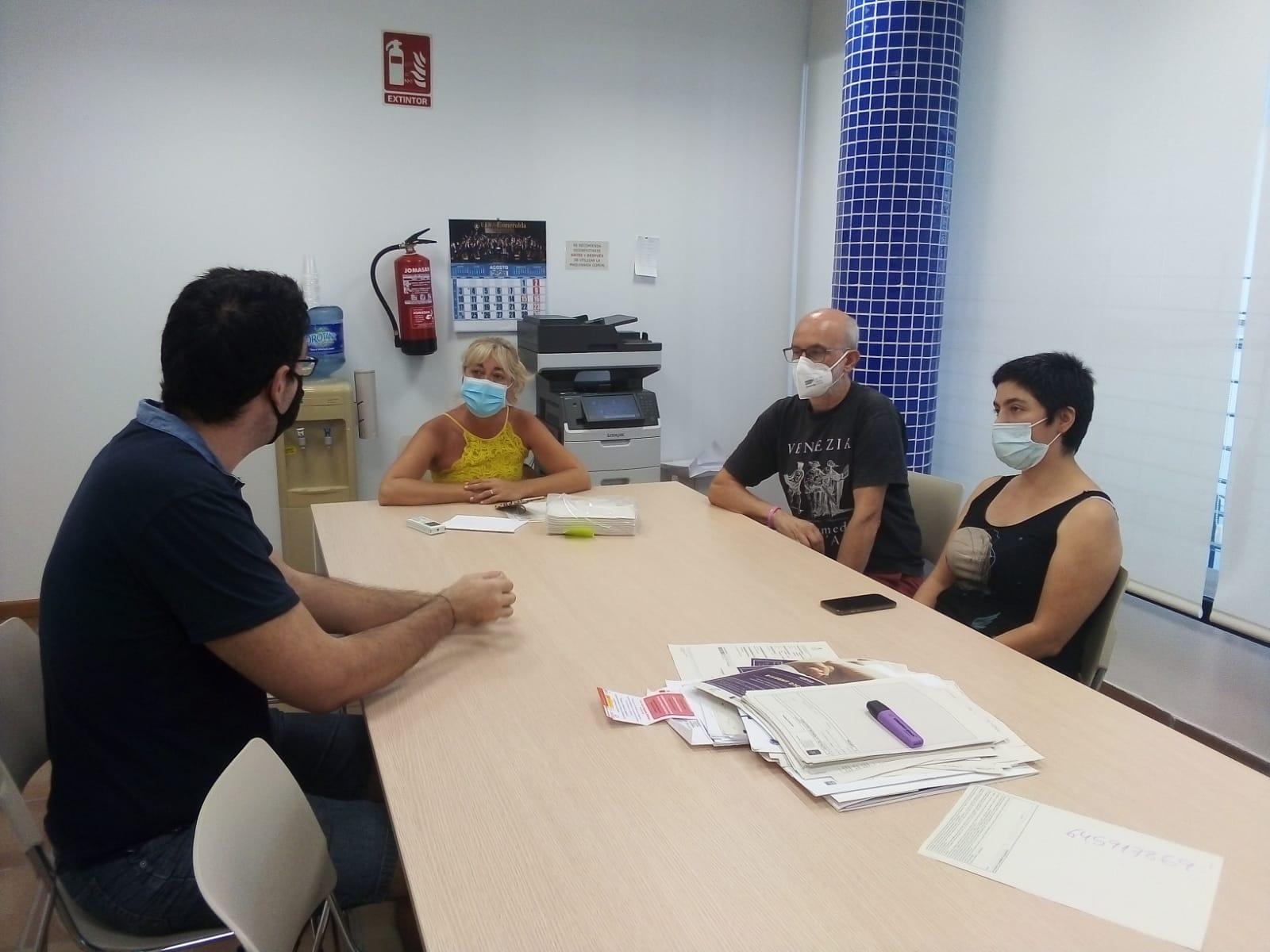 Los Servicios Sociales de Almassora dan salida laboral a varios jóvenes a través del teatro