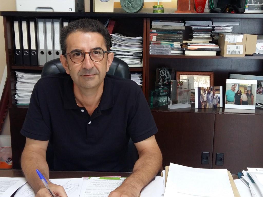 Entrevista del concejal de Seguridad, Personal y Turismo de Benicàssim, Javier Alonso