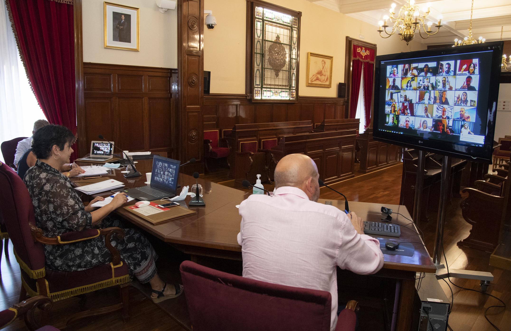 El pleno de la Diputación aprueba una moción de PSPV-PSOE y Compromís a favor de la suficiencia financiera y la autonomía presupuestaria