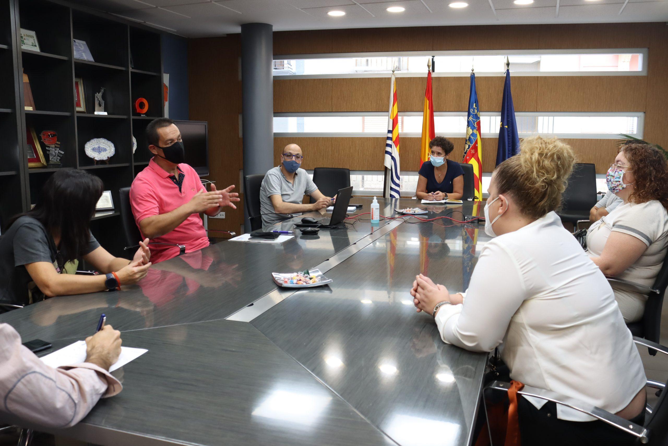 La Generalitat también veta a la terapeuta ocupacional que atiende a 35 alumnos con diversidad funcional en Onda