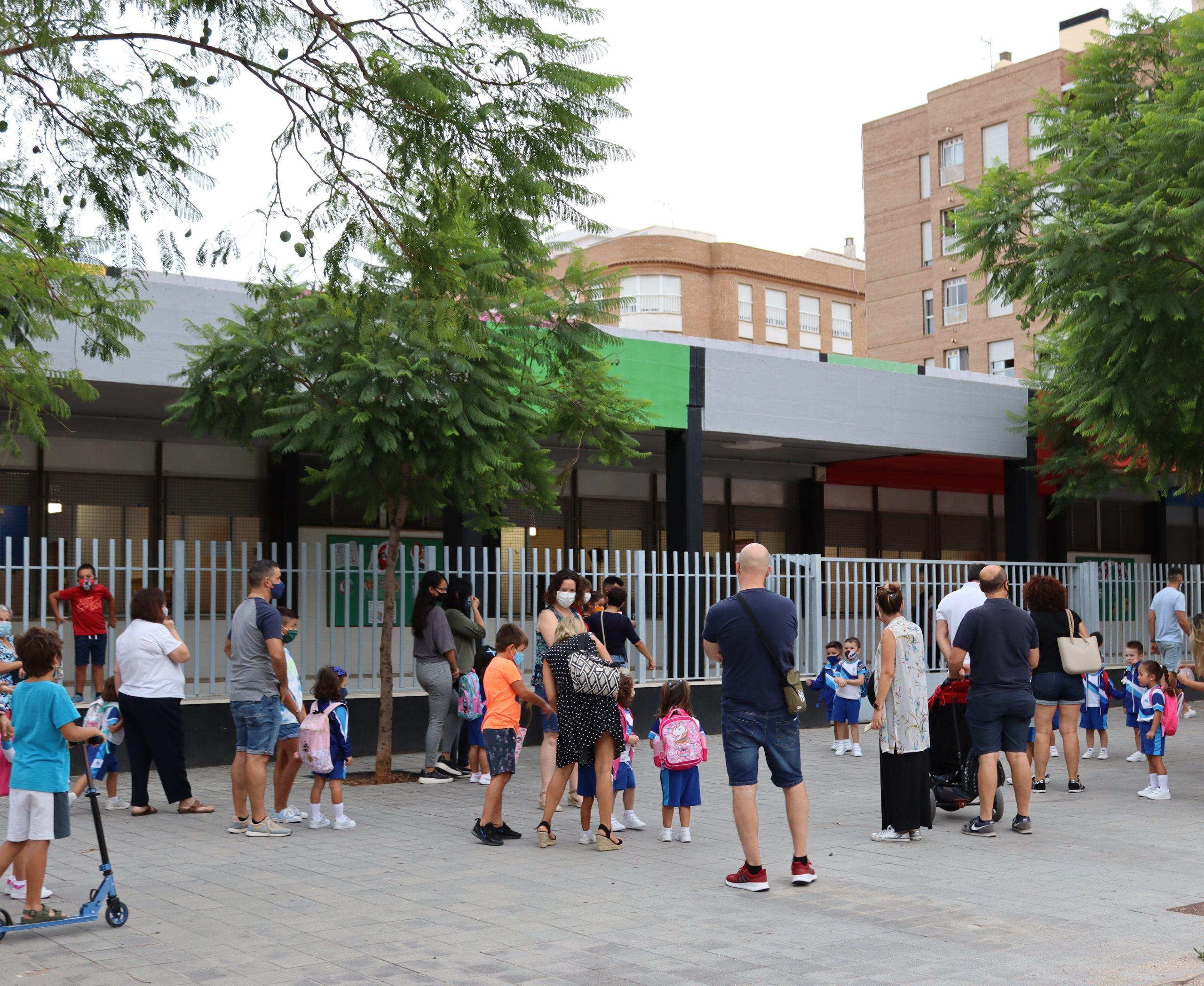 Más de 8.600 alumnos y alumnas vuelven a las aulas en Vila-real en un inicio de curso marcado por el esfuerzo
