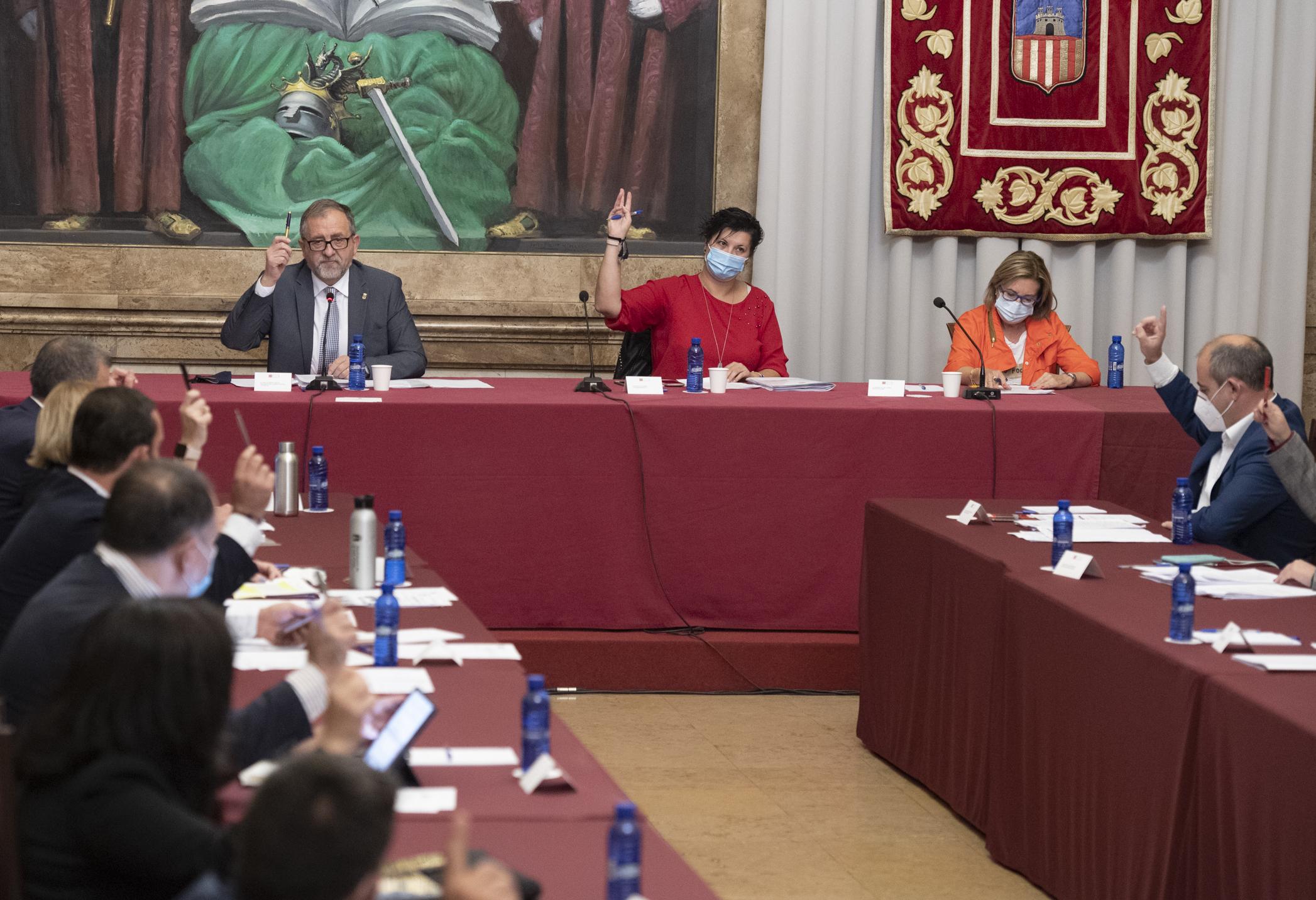 La Diputación refuerza el consenso y el diálogo impulsado por José Martí con la aprobación de cuatro declaraciones institucionales