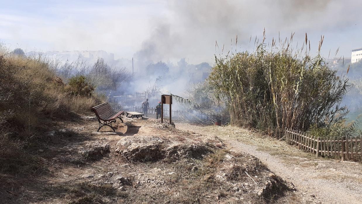 La Guardia Civil sorprende a varios menores incendiando varios lugares del Paisaje Protegido de la Desembocadura del río Mijares