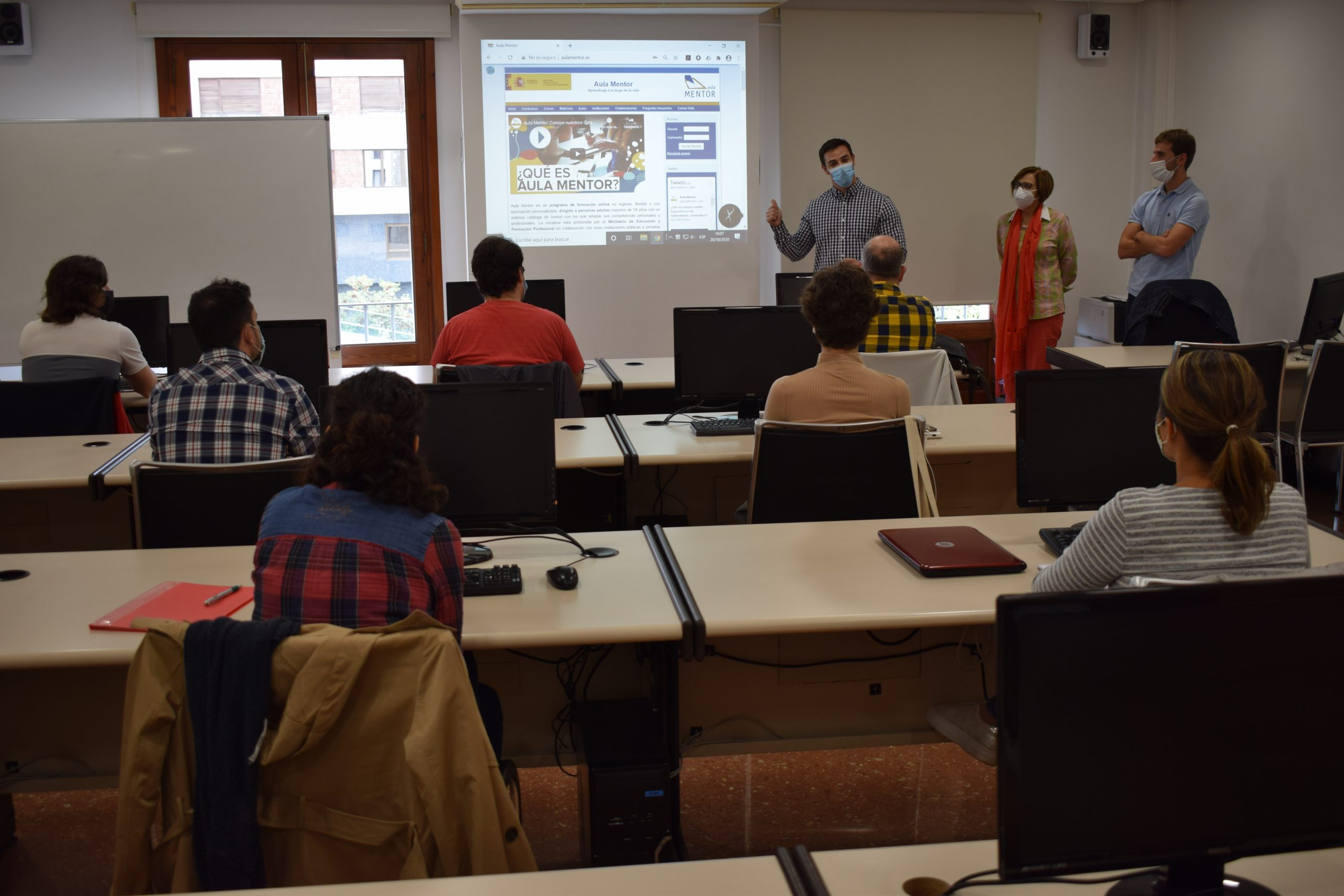 20 alumnos inician el Módulo de Especialización Profesional Aula Mentor Vila-real en Diseño Gráfico e Inkjet