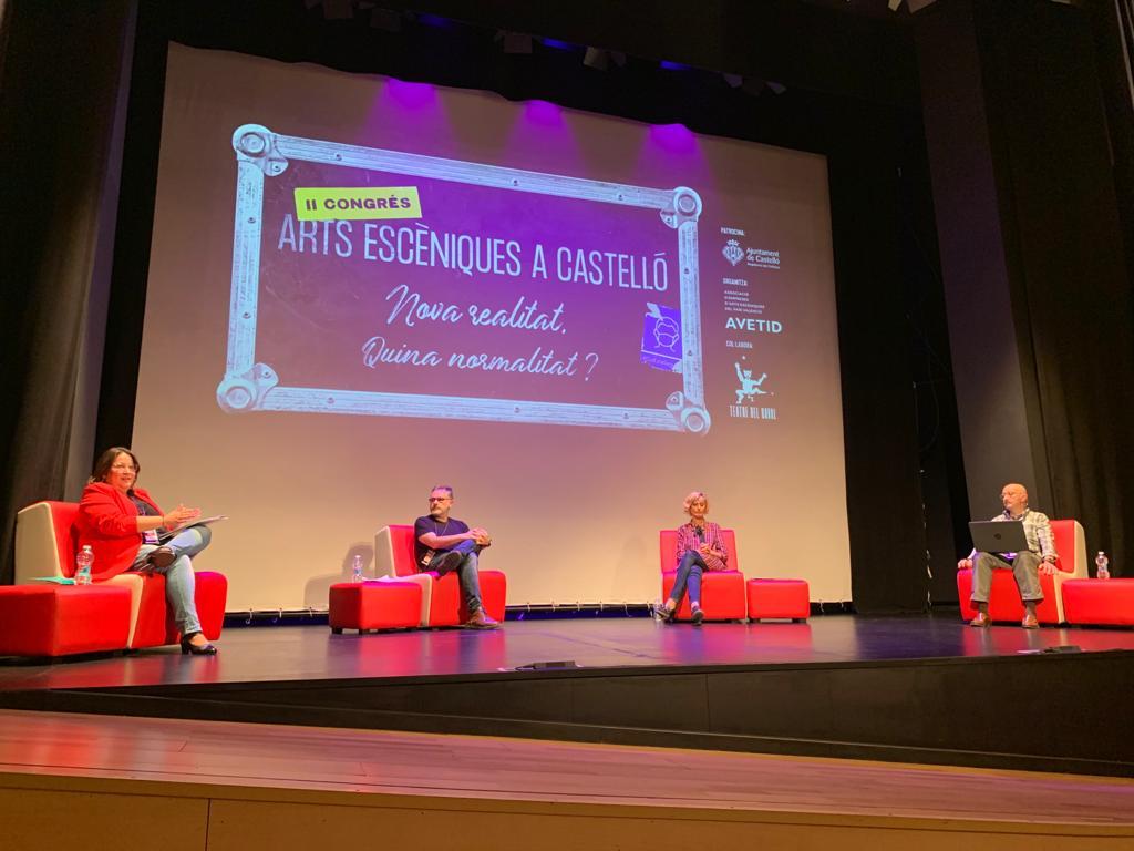 Sanz defiende en el Congreso de Artes Escénicas el cambio de gestión cultural de la Diputación de Castellón