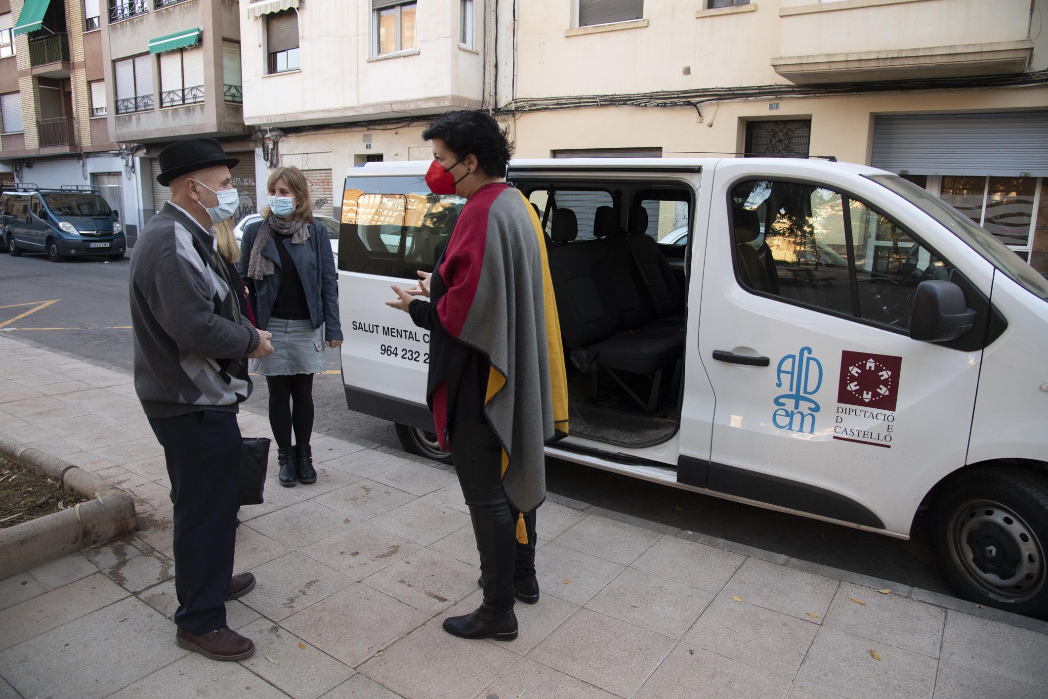 La Diputación de Castellón, colabora en la adquisición de un vehículo de transporte adaptado para el centro de día de enfermos mentales