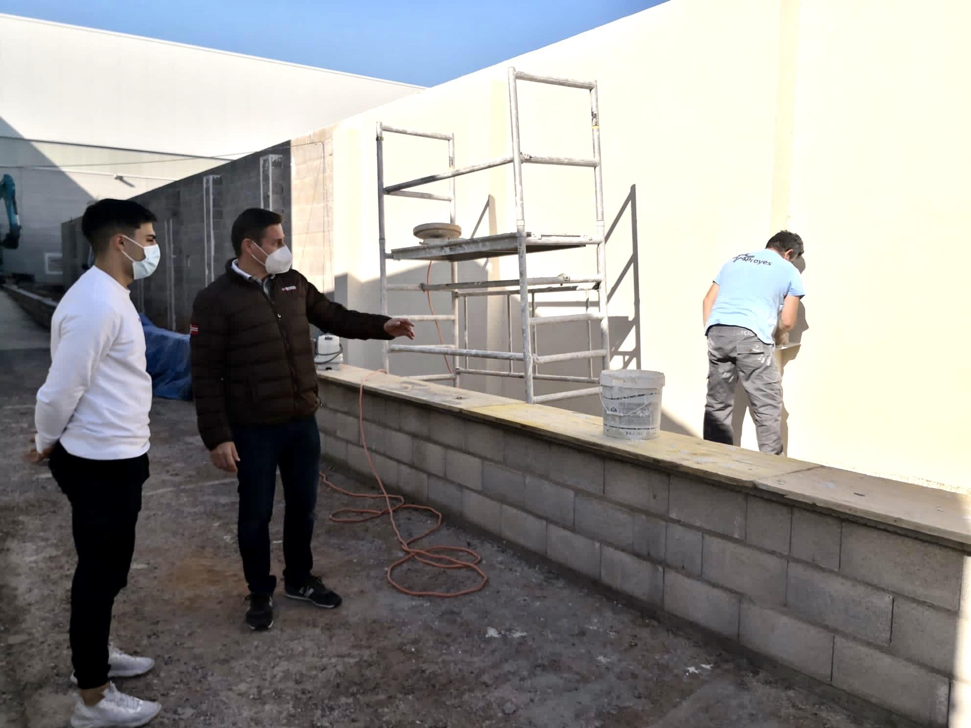 Almassora contrata a empresas locales para mejorar el polideportivo con 46.000 euros