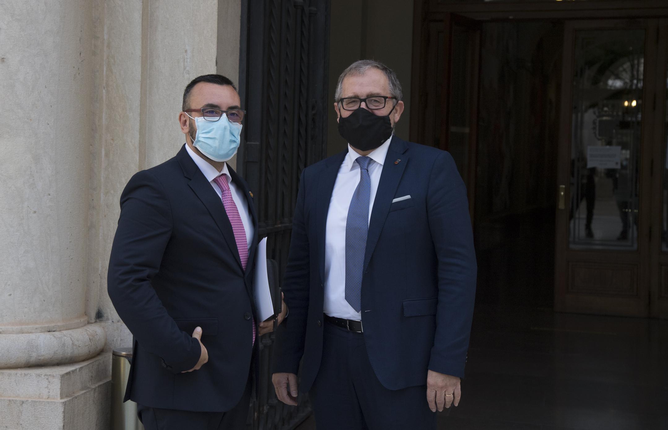 El Presidente de la Diputación de Castellón José Martí y el Alcalde de Vila-real, José Benlloch estudian soluciones que permitan impulsar en 2021 la rehabilitación del albergue municipal del Termet