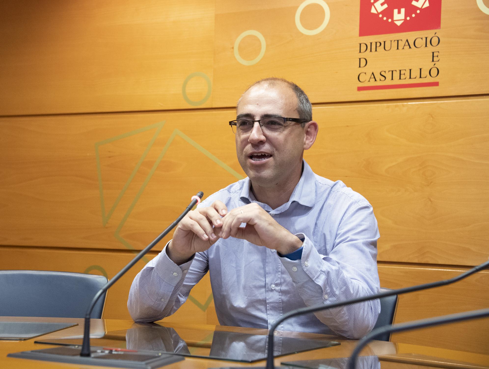 """Santi Pérez califica de """"grave"""" que el PP acuse al presidente de la Diputación de mentir en un pleno al atribuirle una frase que no dijo"""