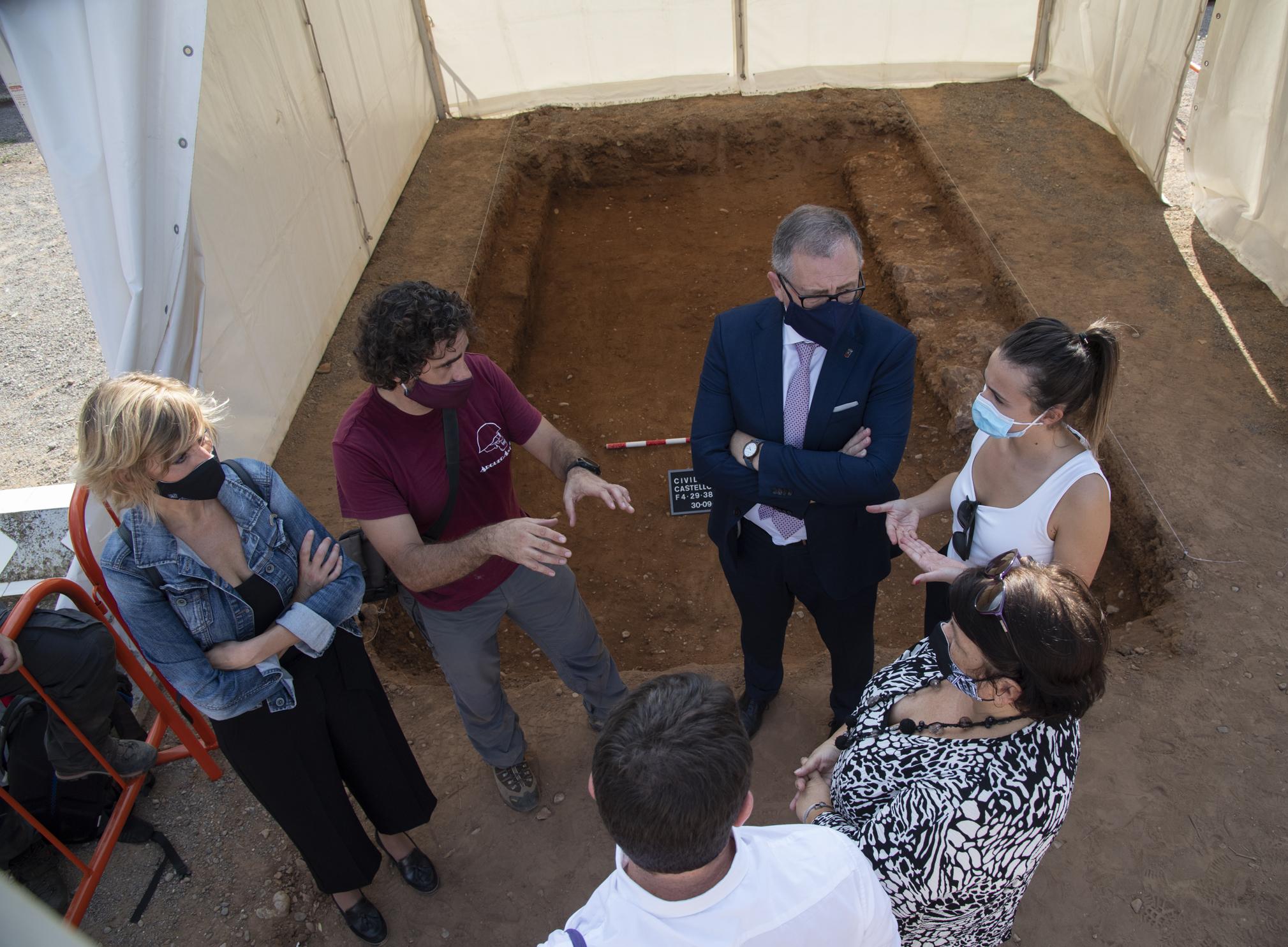 La Diputación de Castellón continuará en 2021 apoyando las campañas de exhumaciones con más recursos
