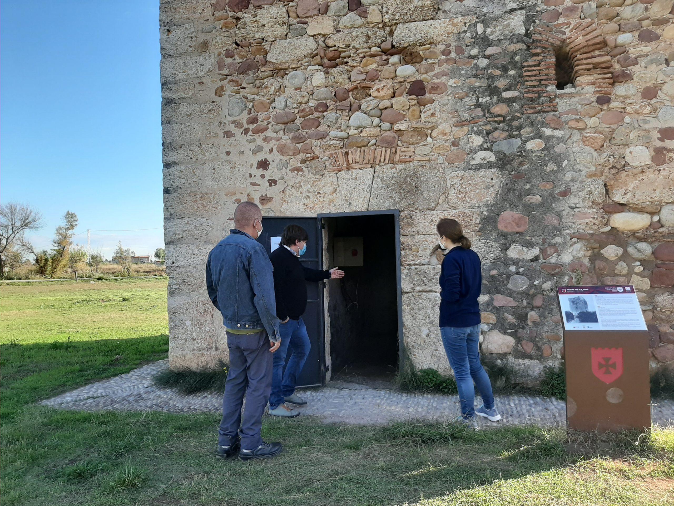 Borriana restaura la Torre del Mar de pintadas y actos vandálicos