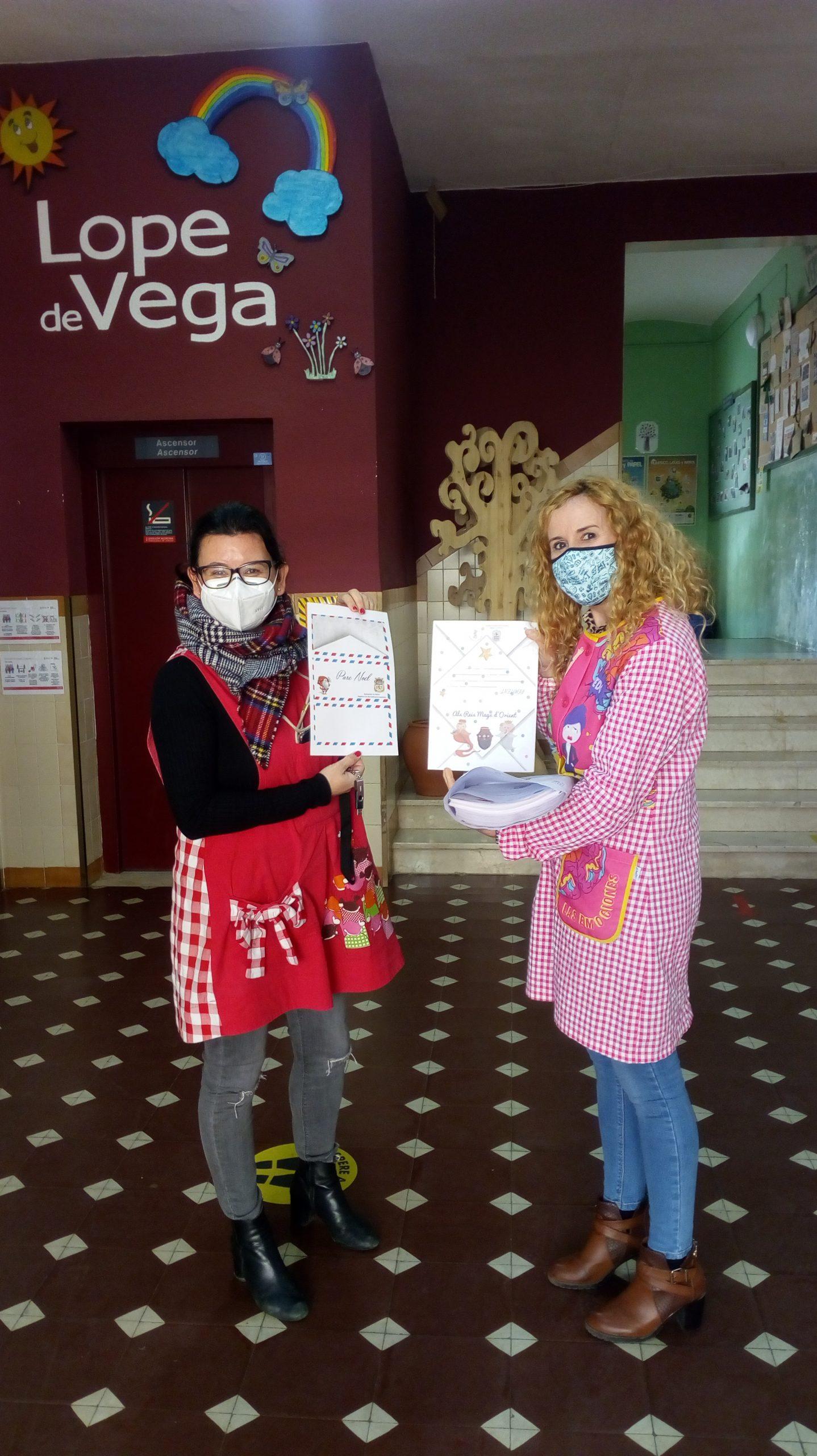 Nules promociona el valenciano entre los escolares repartiendo cartas para los Reyes Magos y Papa Noel