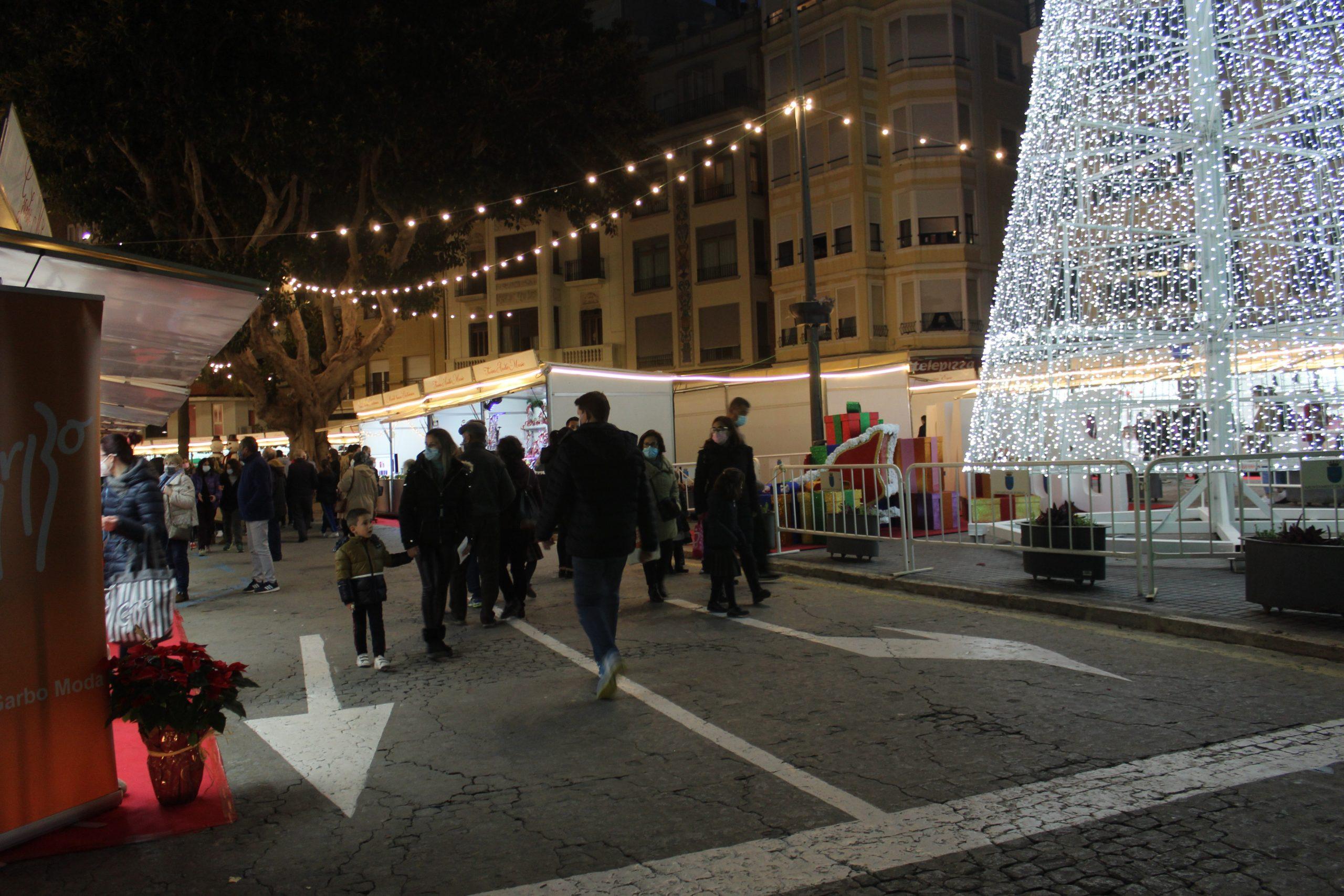 Burriana convoca un concurso navideño de escaparates y decoración de interiores comerciales con 18 premios