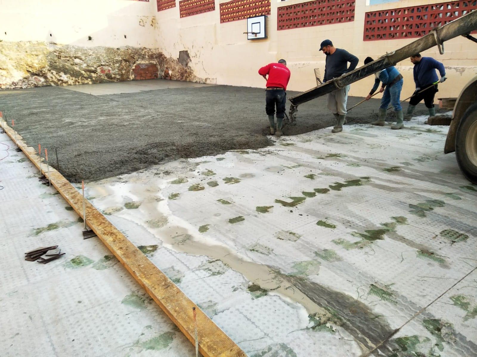 Almenara remodela y mejora el patio de infantil del colegio