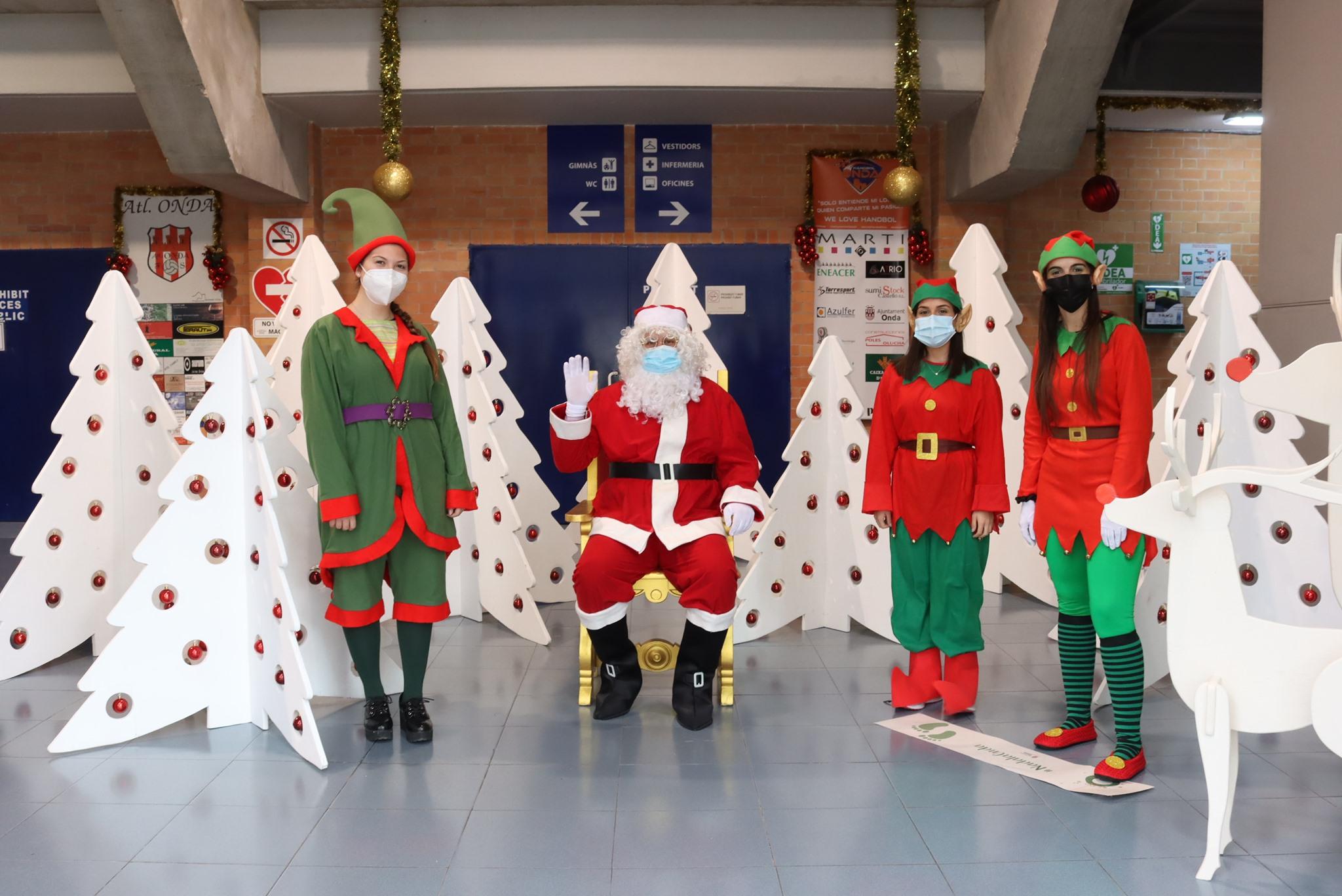 Cerca de 500 niños de Onda tienen la oportunidad de pedir sus regalos a Papá Noel y los pajes reales