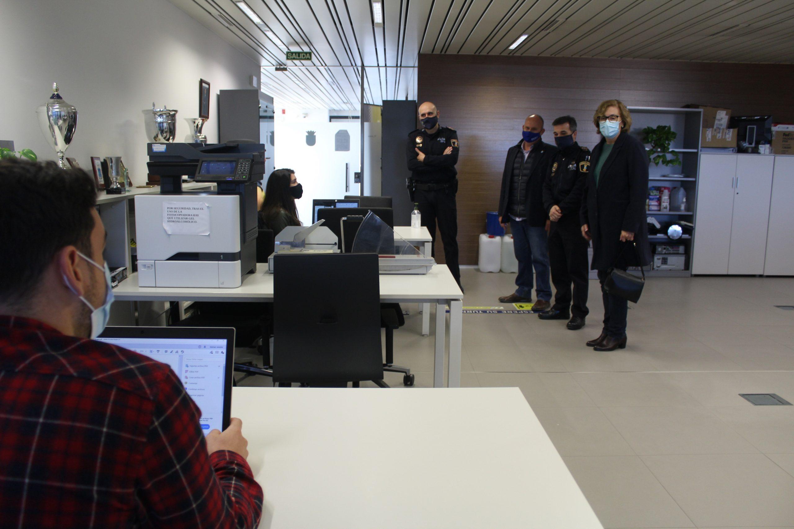Estudiantes del Grado en Derecho de la Universitat Jaume I finalizarán esta semana sus prácticas de Grado en la Central de Policía Local de Borriana