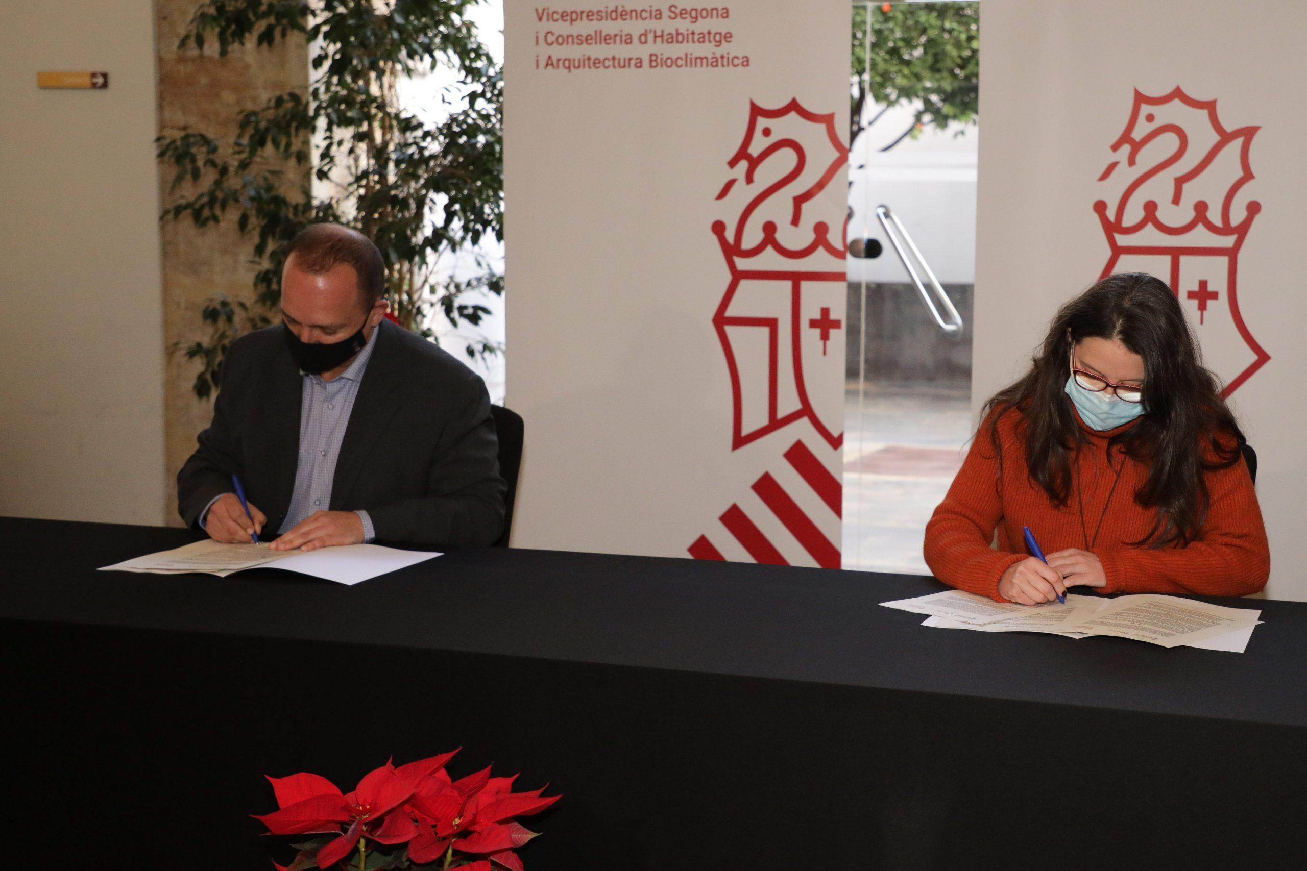Igualdad y Vivienda de la Generalitat Valenciana firman un acuerdo para incrementar el parque de vivienda pública destinada a mujeres en situación de violencia de género