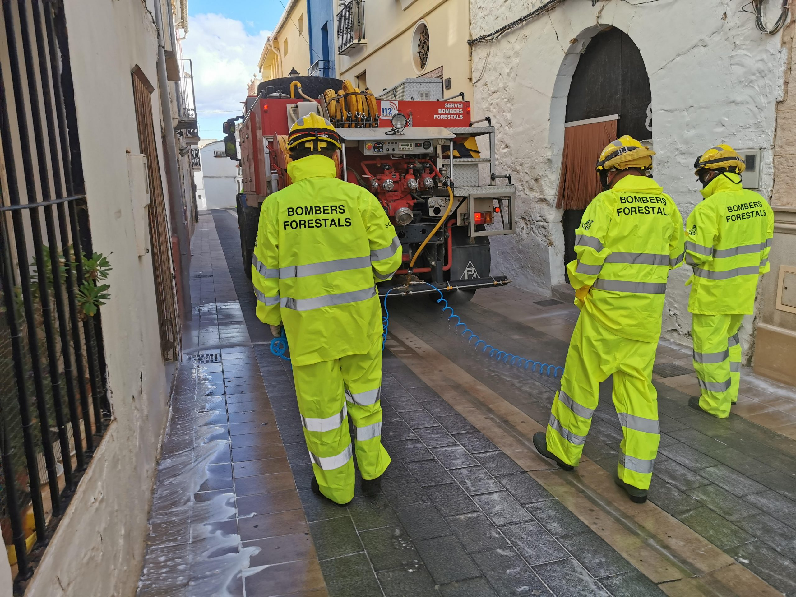 Los Bomberos de la Diputación de Castellón destinaron 200.000 euros en 2020 a la realización de 627 desinfecciones frente a la Covid en pueblos y pedanías